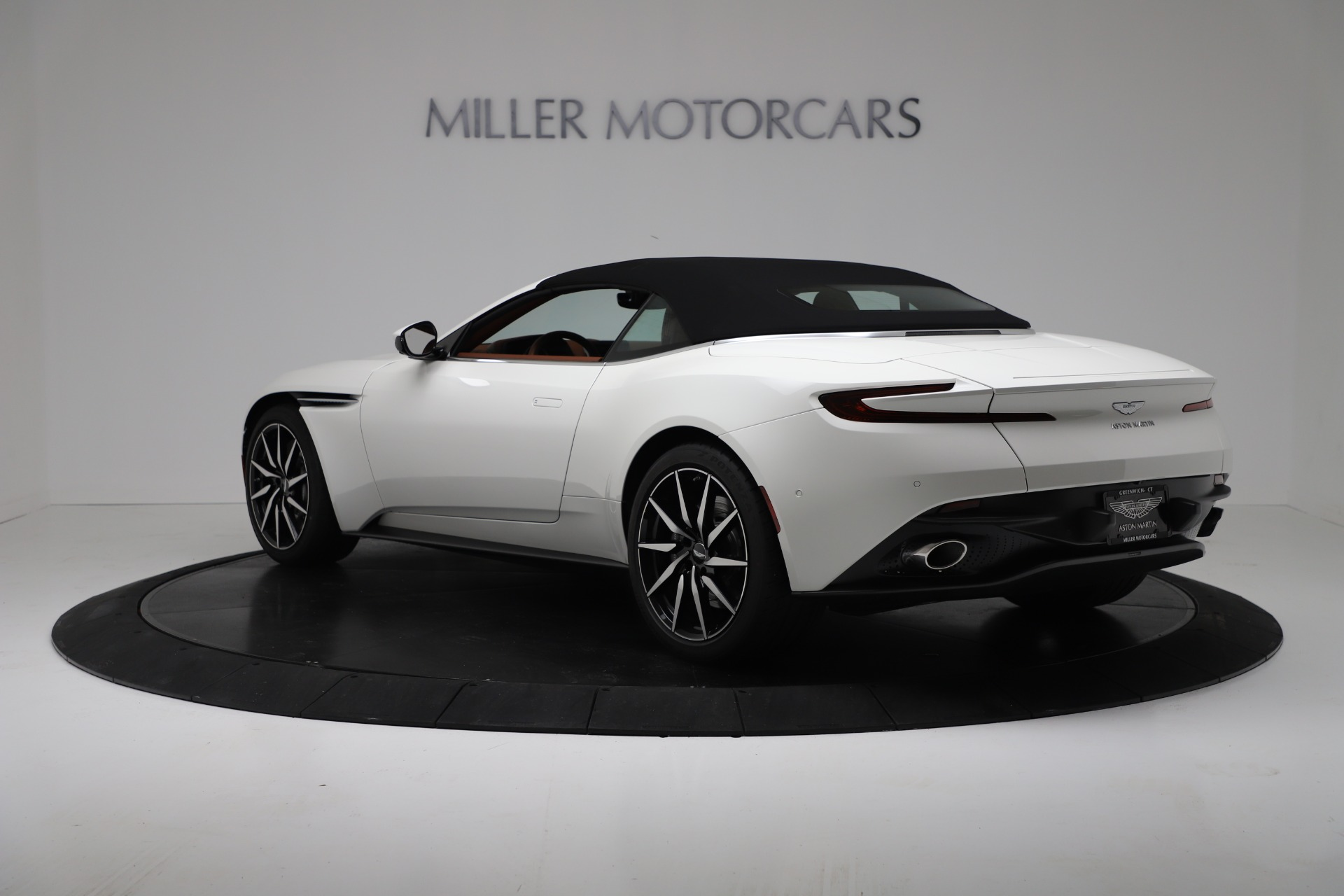 New 2019 Aston Martin DB11 V8 For Sale In Greenwich, CT 3344_p15
