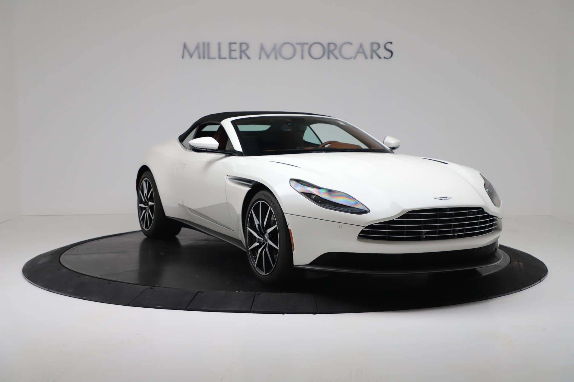 New 2019 Aston Martin DB11 V8 For Sale In Greenwich, CT 3344_p18