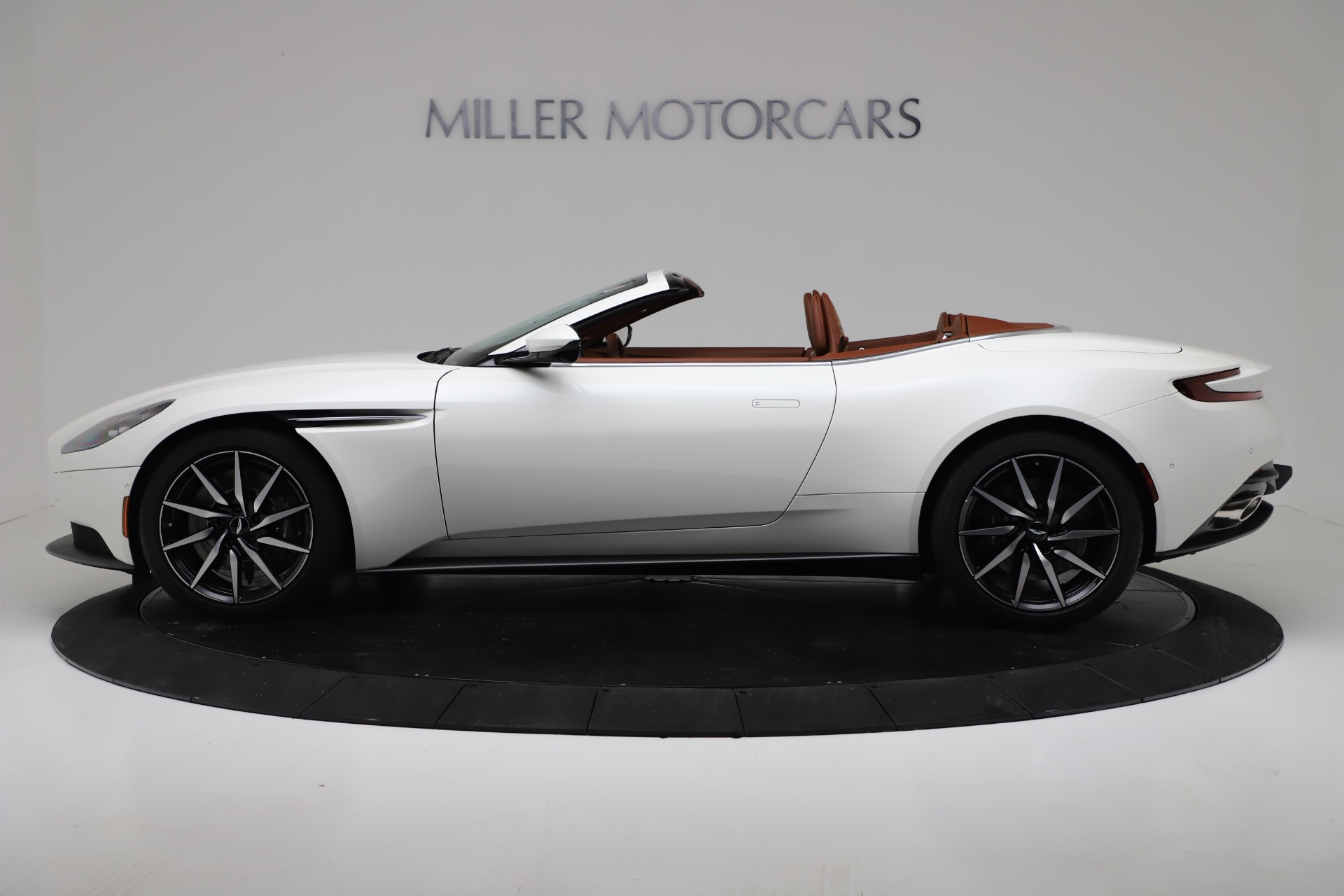 New 2019 Aston Martin DB11 V8 For Sale In Greenwich, CT 3344_p3