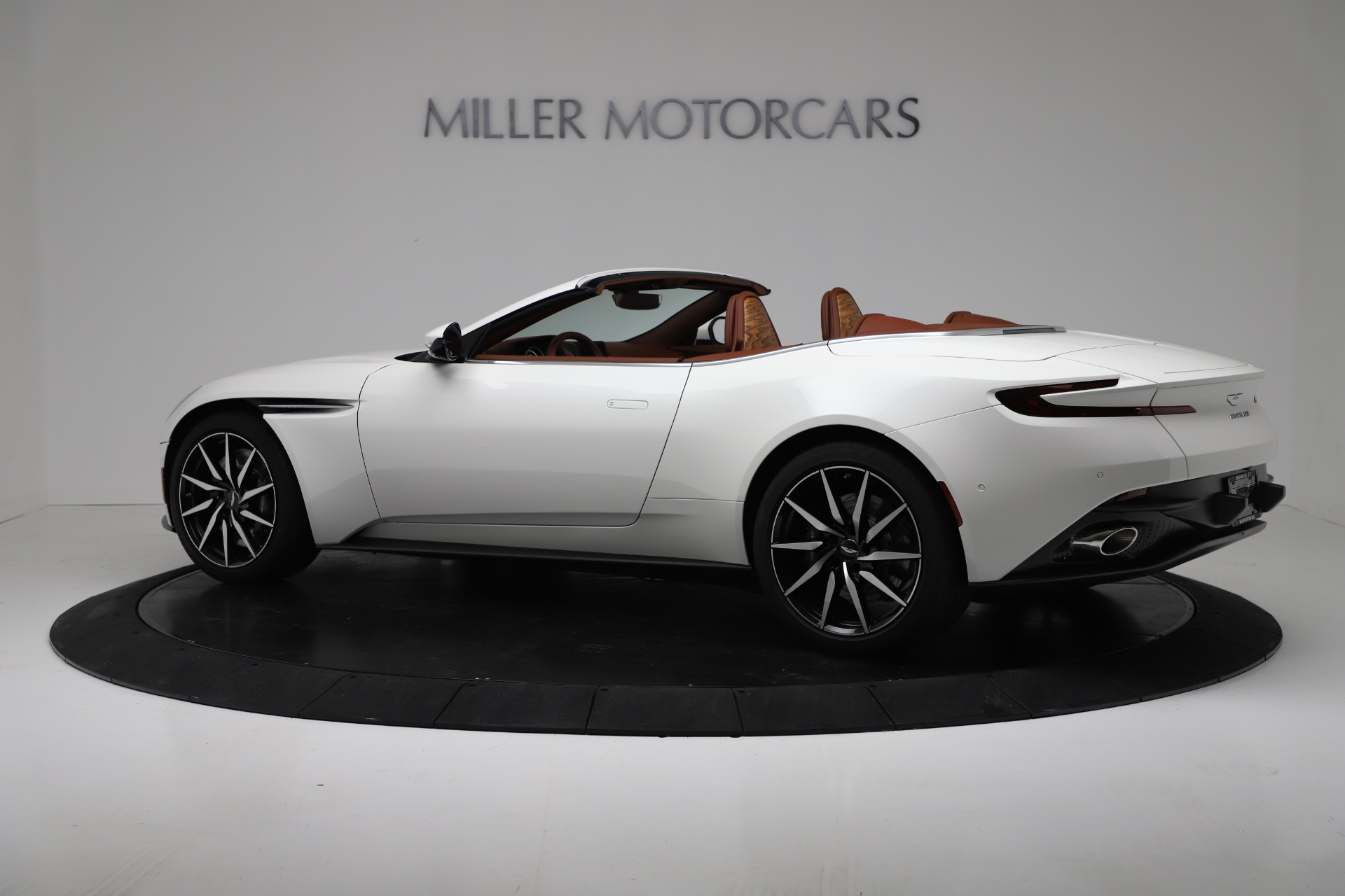 New 2019 Aston Martin DB11 V8 For Sale In Greenwich, CT 3344_p4