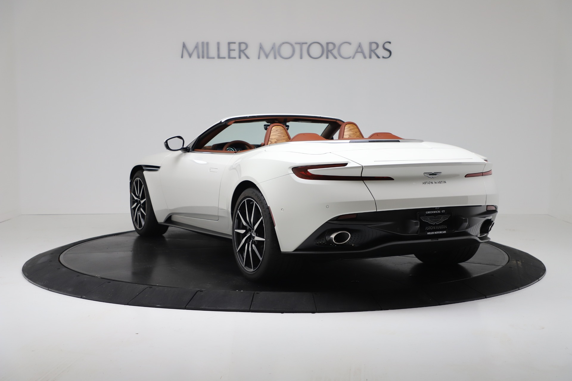 New 2019 Aston Martin DB11 V8 For Sale In Greenwich, CT 3344_p5
