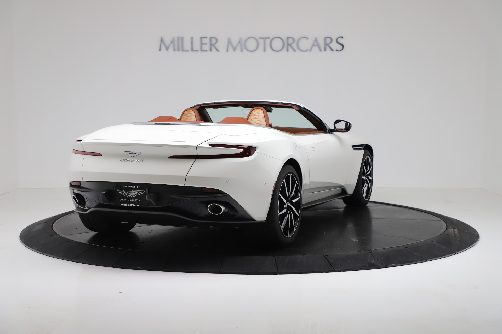 New 2019 Aston Martin DB11 V8 For Sale In Greenwich, CT 3344_p7