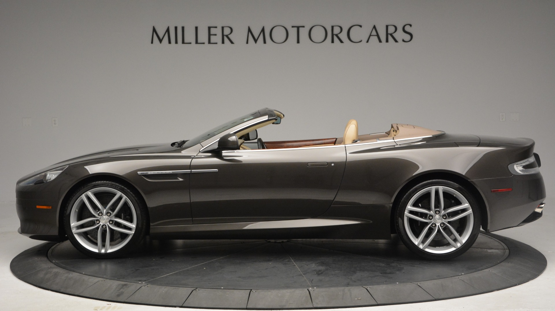 Used 2012 Aston Martin Virage Convertible For Sale In Greenwich, CT 3351_p2