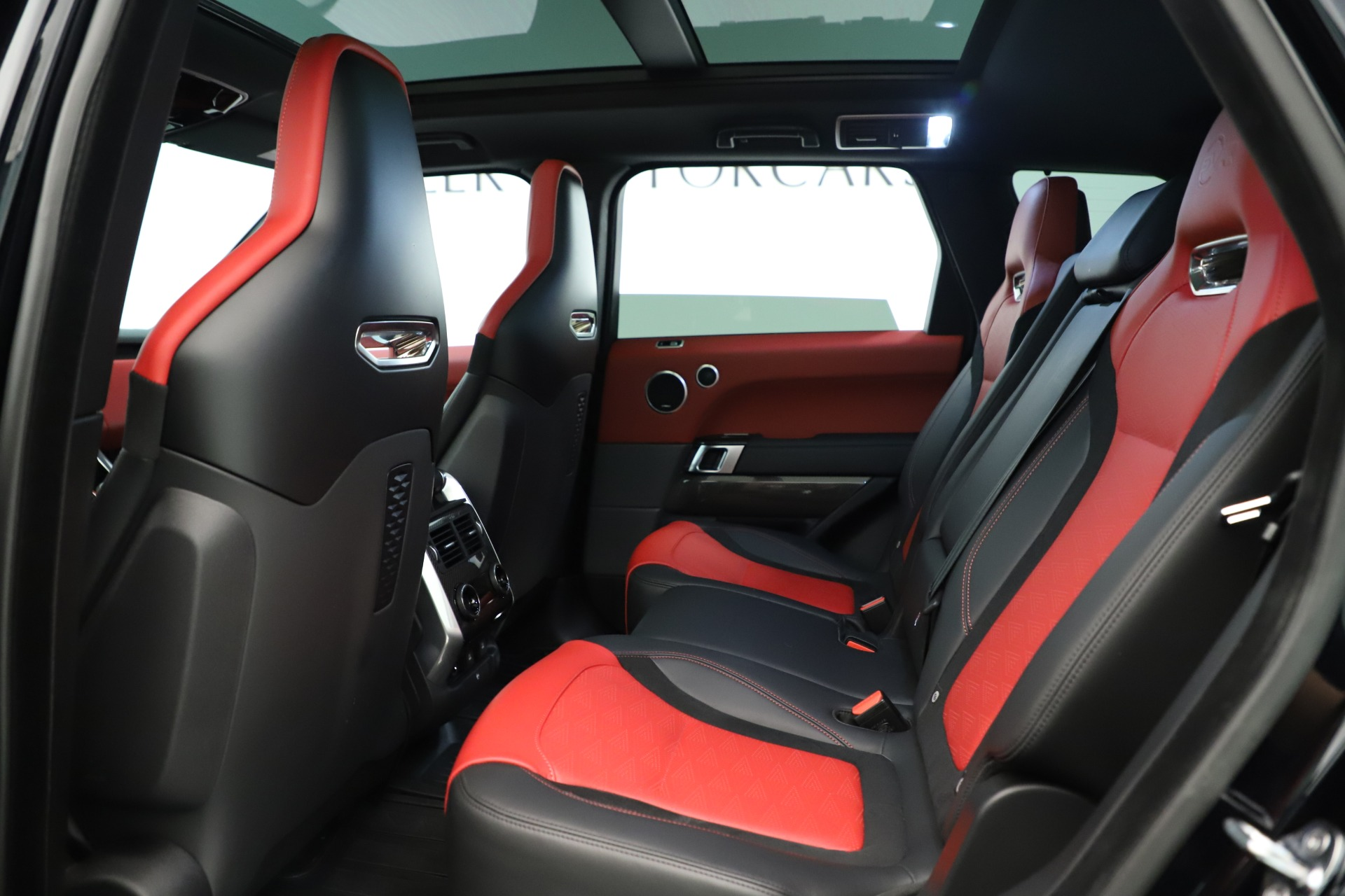 Used 2019 Land Rover Range Rover Sport SVR For Sale In Greenwich, CT 3353_p17
