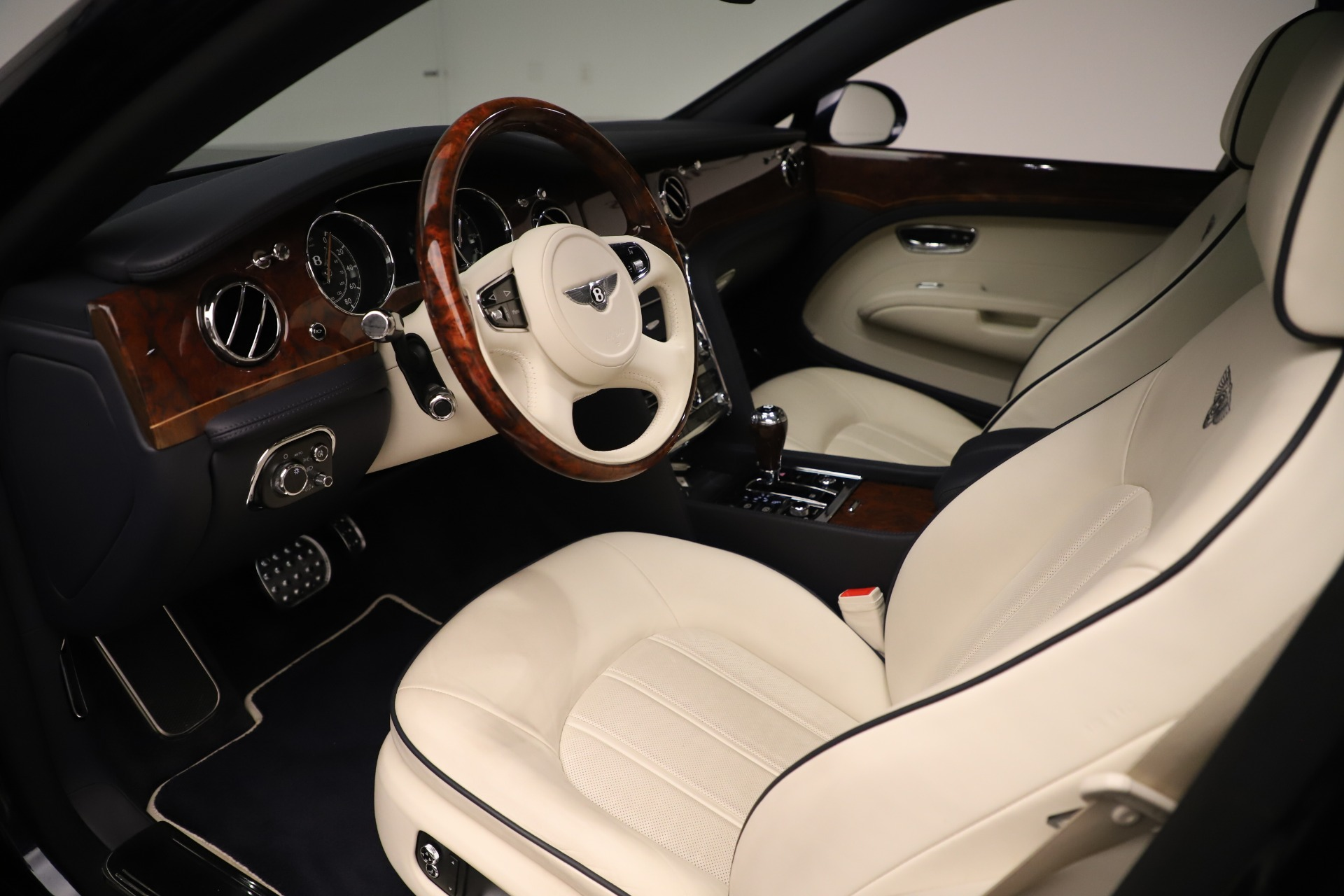 Used 2016 Bentley Mulsanne  For Sale In Greenwich, CT 3358_p17