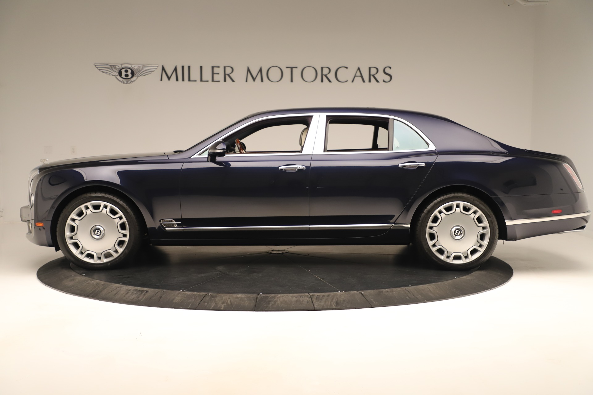 Used 2016 Bentley Mulsanne  For Sale In Greenwich, CT 3358_p3