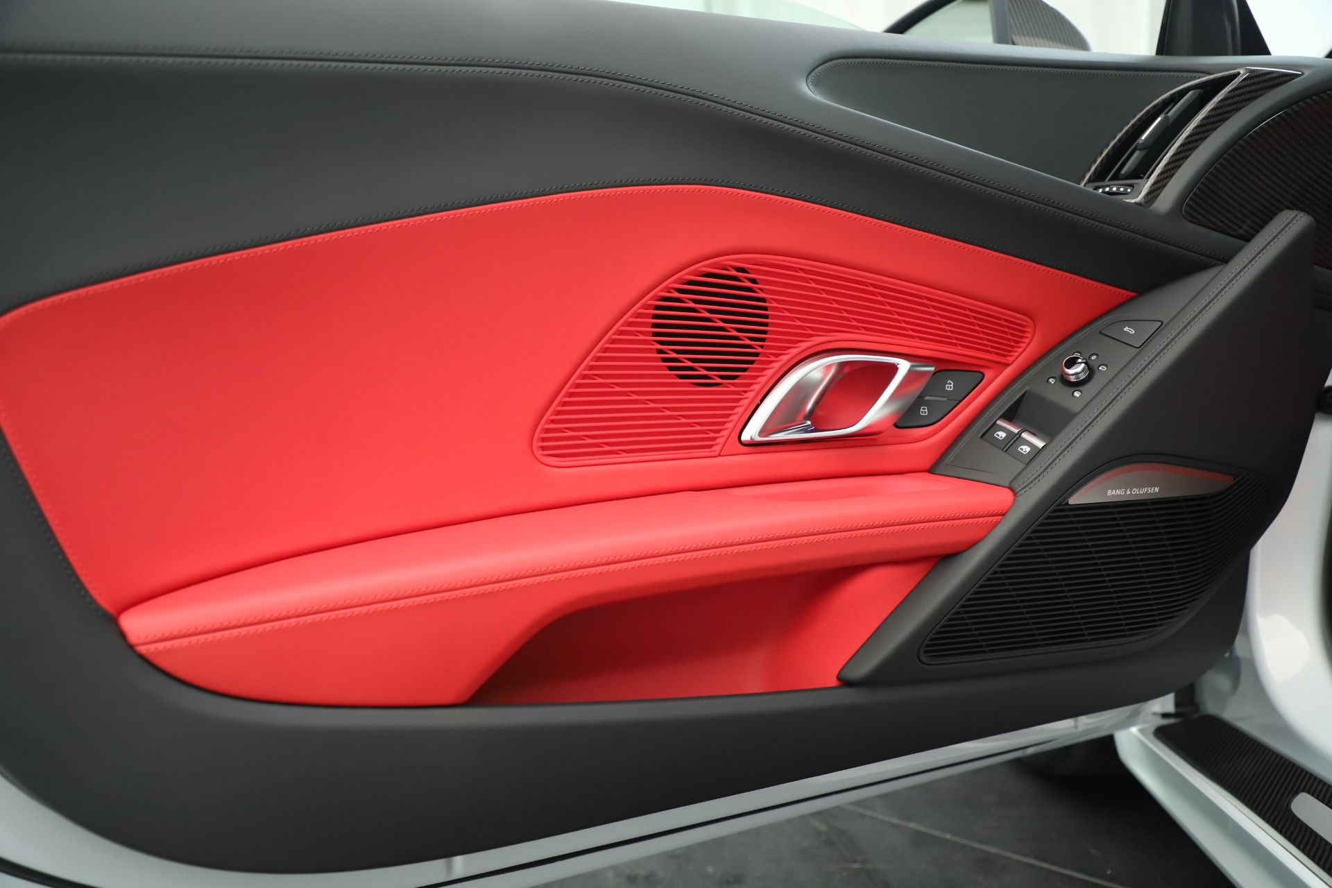 Used 2018 Audi R8 5.2 quattro V10 Plus For Sale In Greenwich, CT 3360_p17