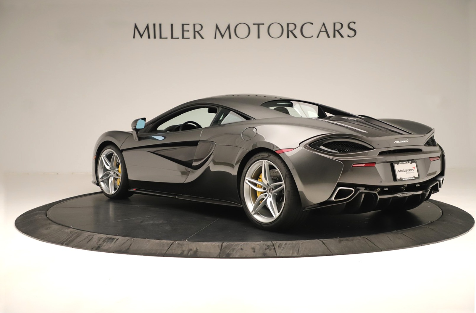 Used 2017 McLaren 570S Coupe For Sale In Greenwich, CT 3361_p3