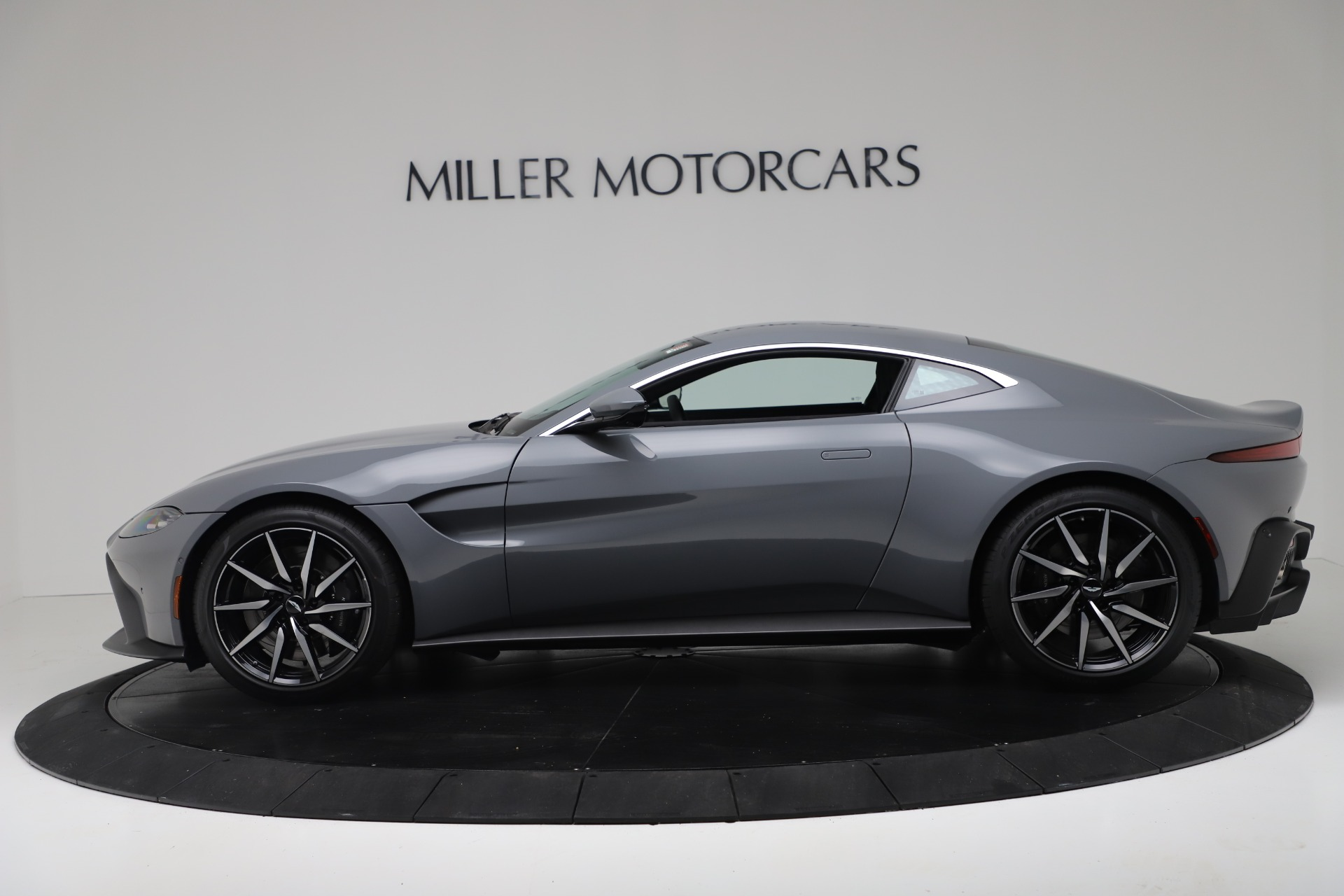 New 2020 Aston Martin Vantage V8 For Sale In Greenwich, CT 3368_p2
