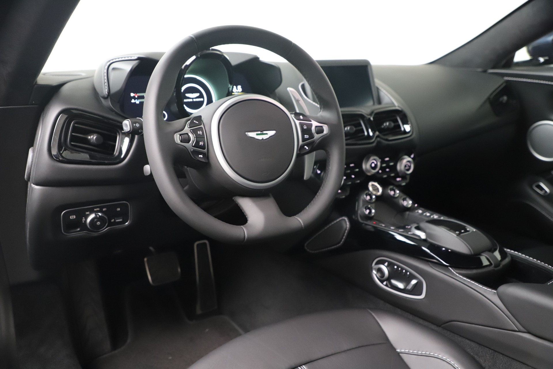New 2020 Aston Martin Vantage  For Sale In Greenwich, CT 3369_p10