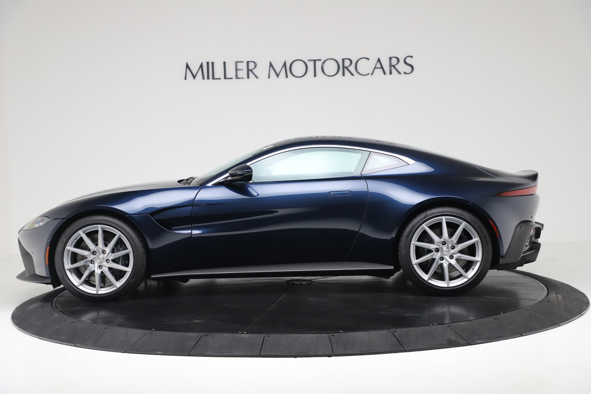 New 2020 Aston Martin Vantage  For Sale In Greenwich, CT 3369_p2
