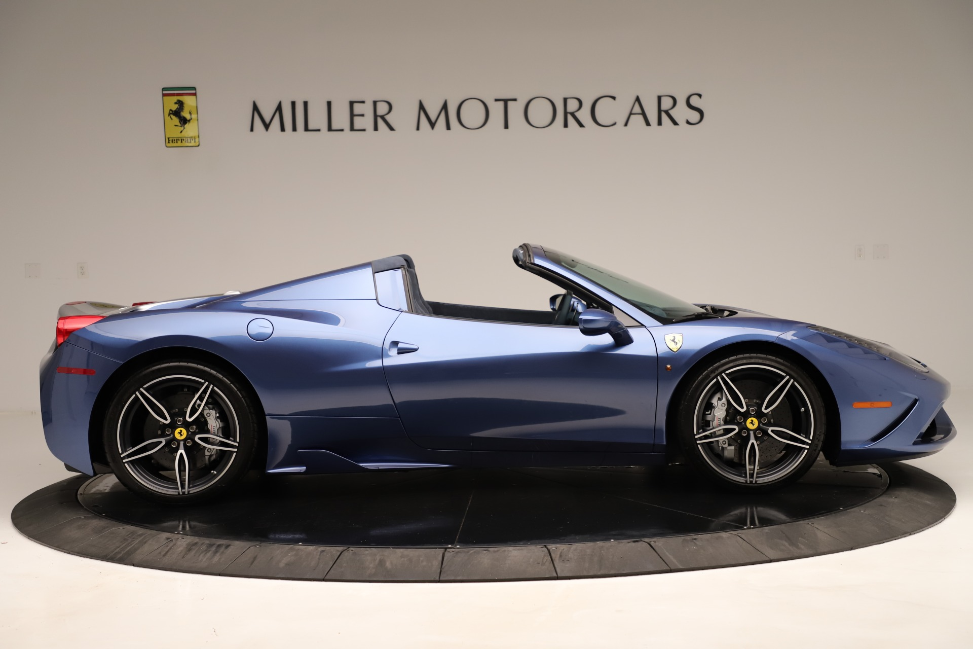 Used 2015 Ferrari 458 Speciale Aperta  For Sale In Greenwich, CT 3372_p10