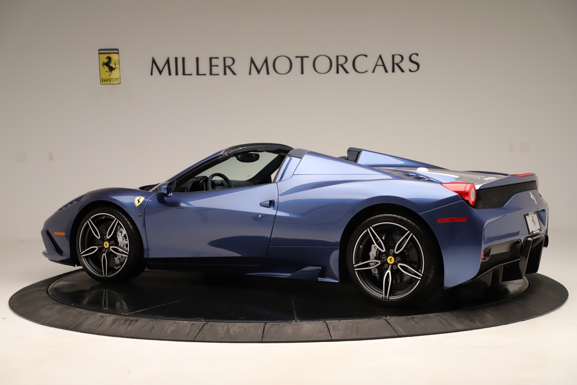 Used 2015 Ferrari 458 Speciale Aperta  For Sale In Greenwich, CT 3372_p5