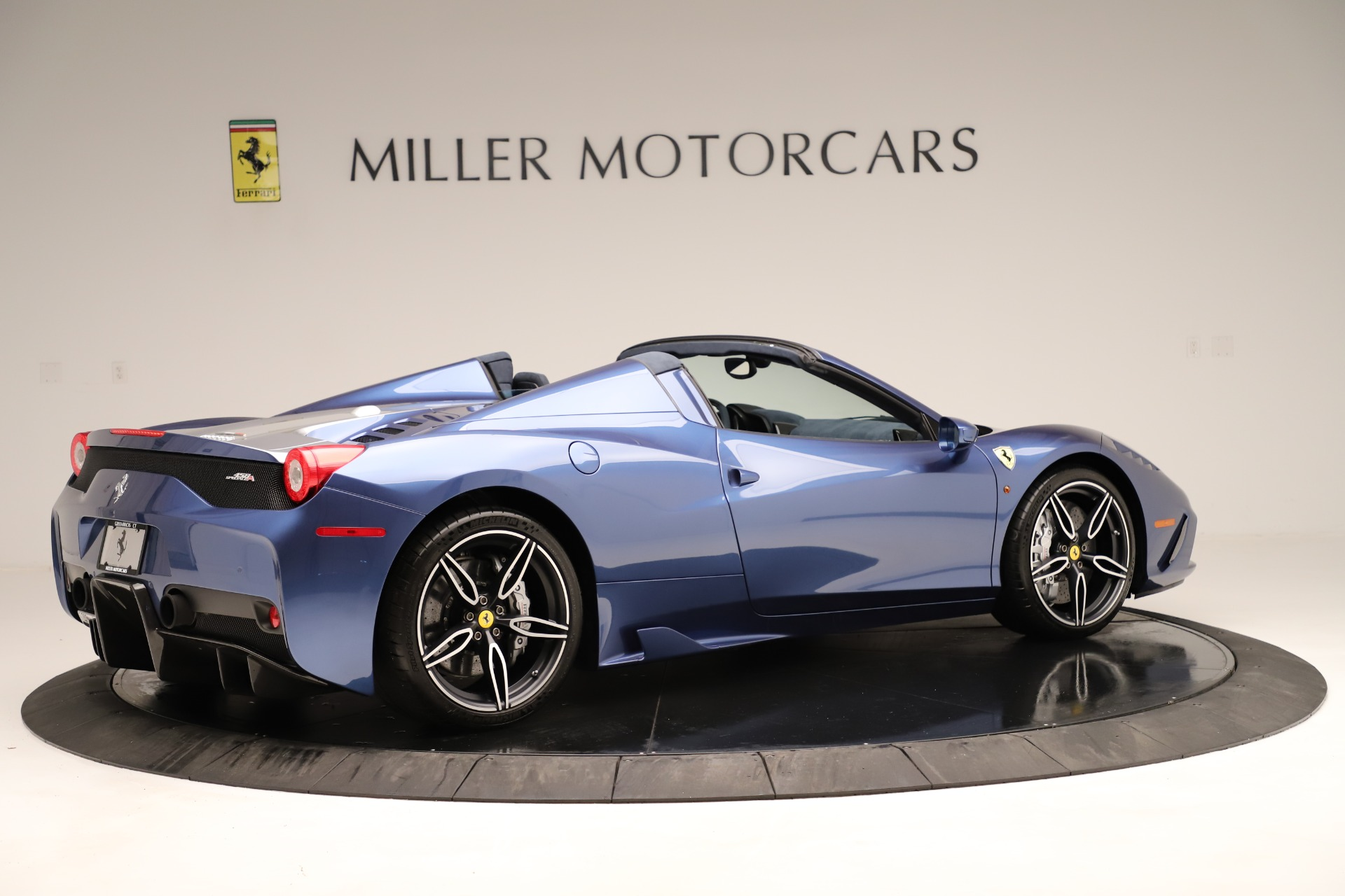 Used 2015 Ferrari 458 Speciale Aperta  For Sale In Greenwich, CT 3372_p9