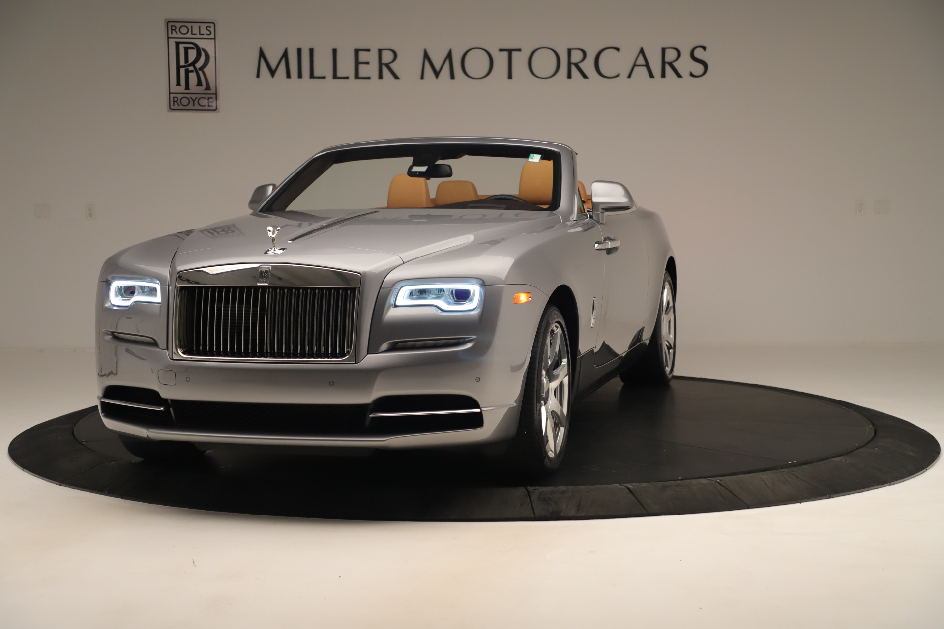 Used 2016 Rolls-Royce Dawn  For Sale In Greenwich, CT 3373_main