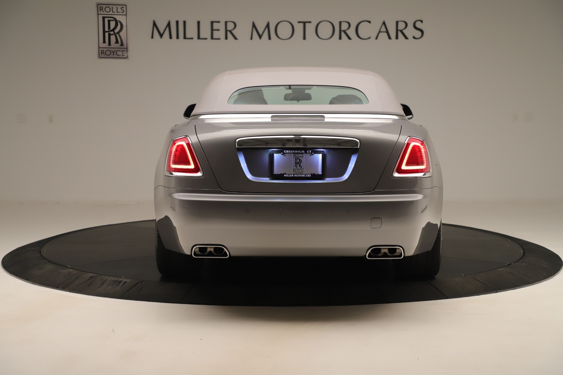Used 2016 Rolls-Royce Dawn  For Sale In Greenwich, CT 3373_p12