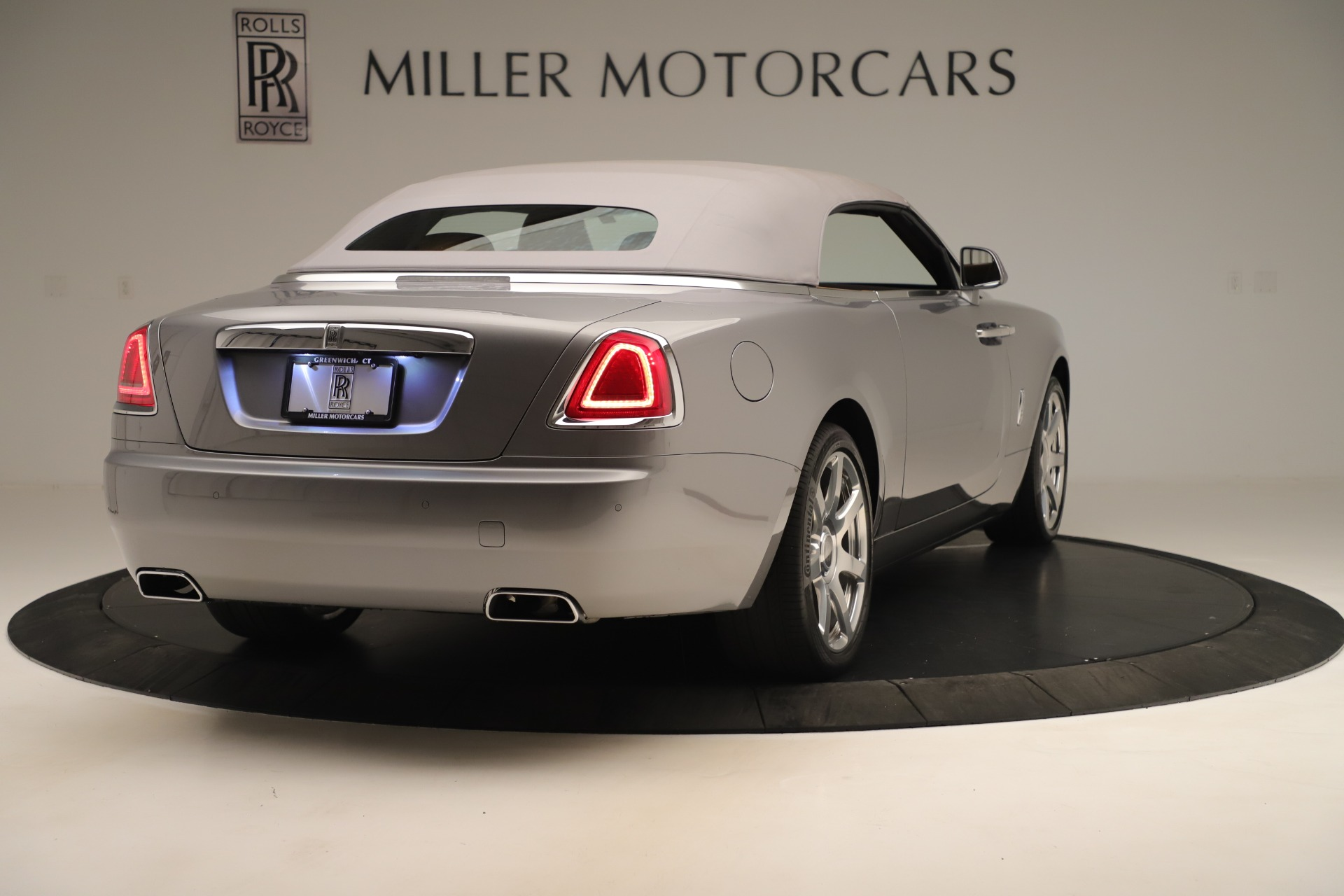 Used 2016 Rolls-Royce Dawn  For Sale In Greenwich, CT 3373_p13