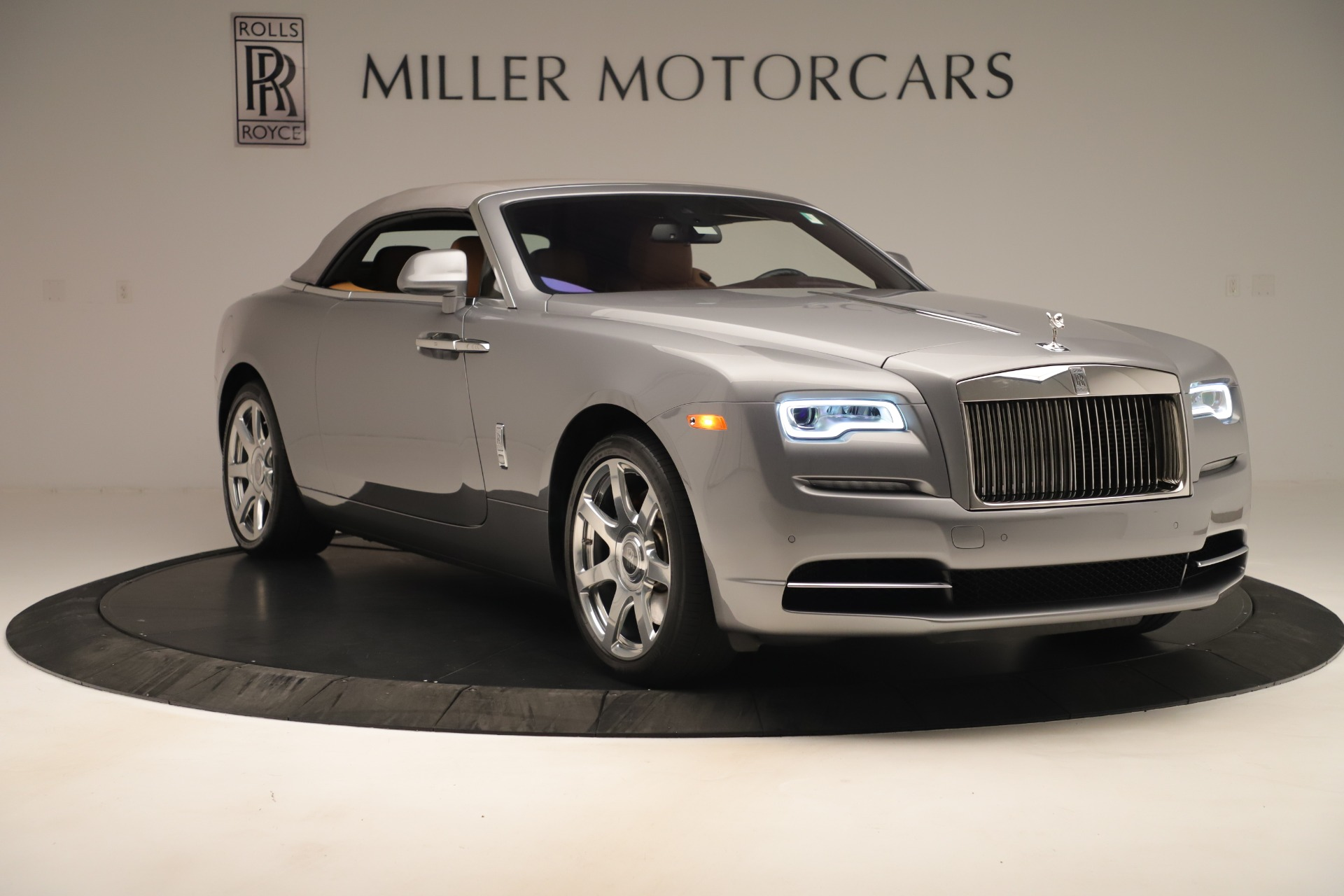 Used 2016 Rolls-Royce Dawn  For Sale In Greenwich, CT 3373_p15