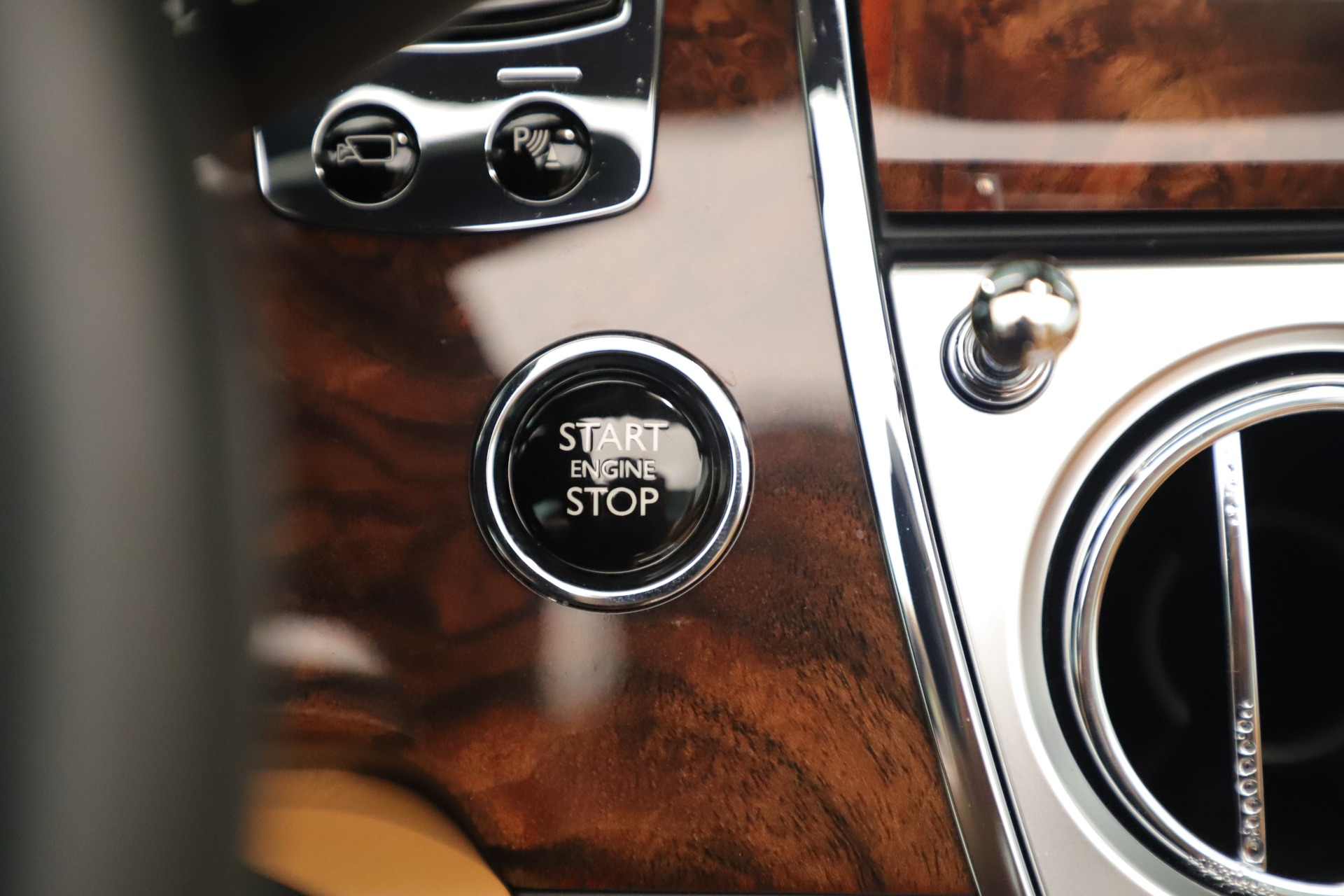 Used 2016 Rolls-Royce Dawn  For Sale In Greenwich, CT 3373_p27