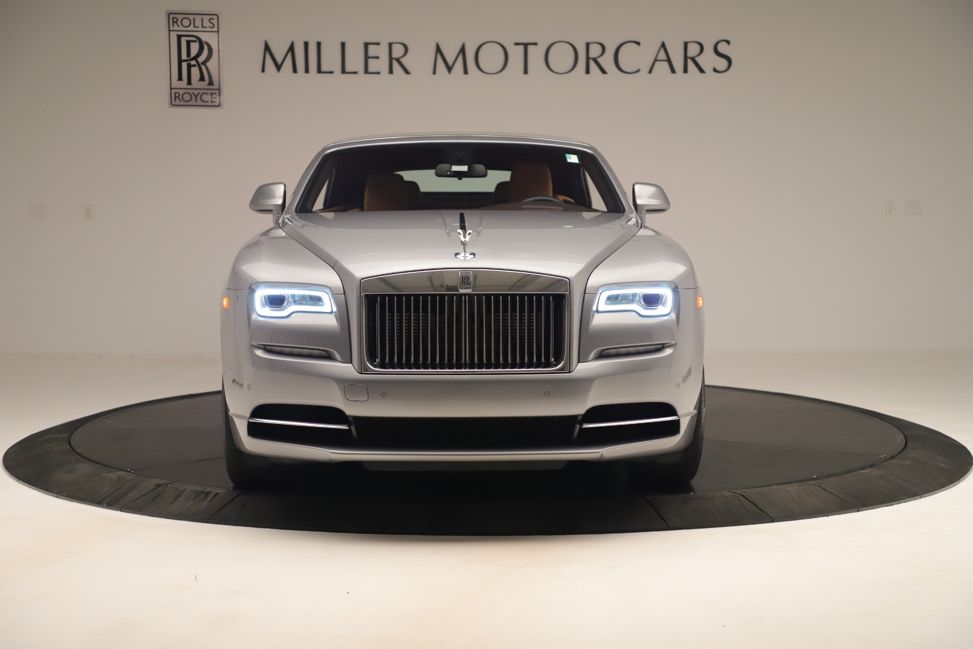 Used 2016 Rolls-Royce Dawn  For Sale In Greenwich, CT 3373_p2