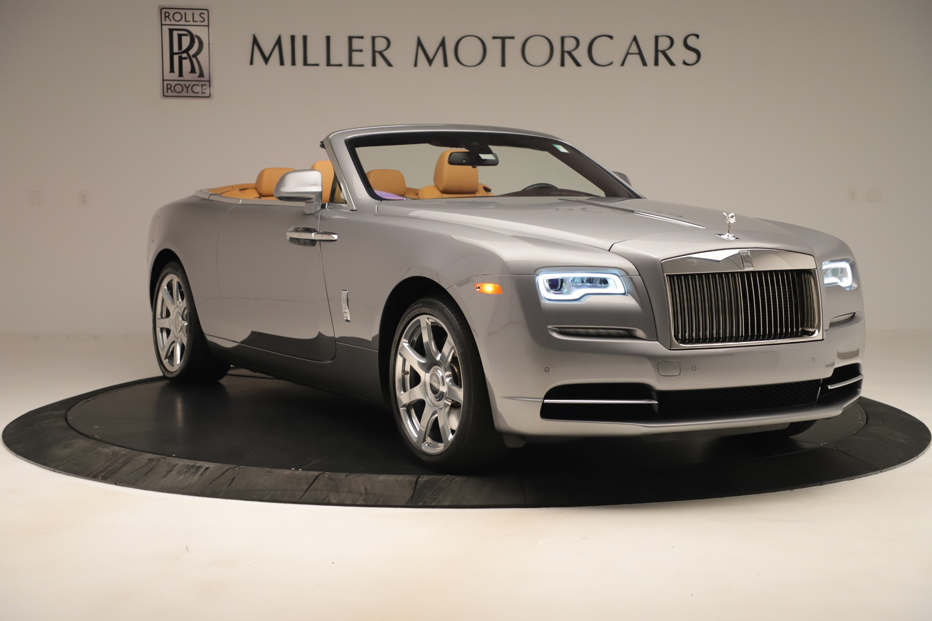 Used 2016 Rolls-Royce Dawn  For Sale In Greenwich, CT 3373_p8