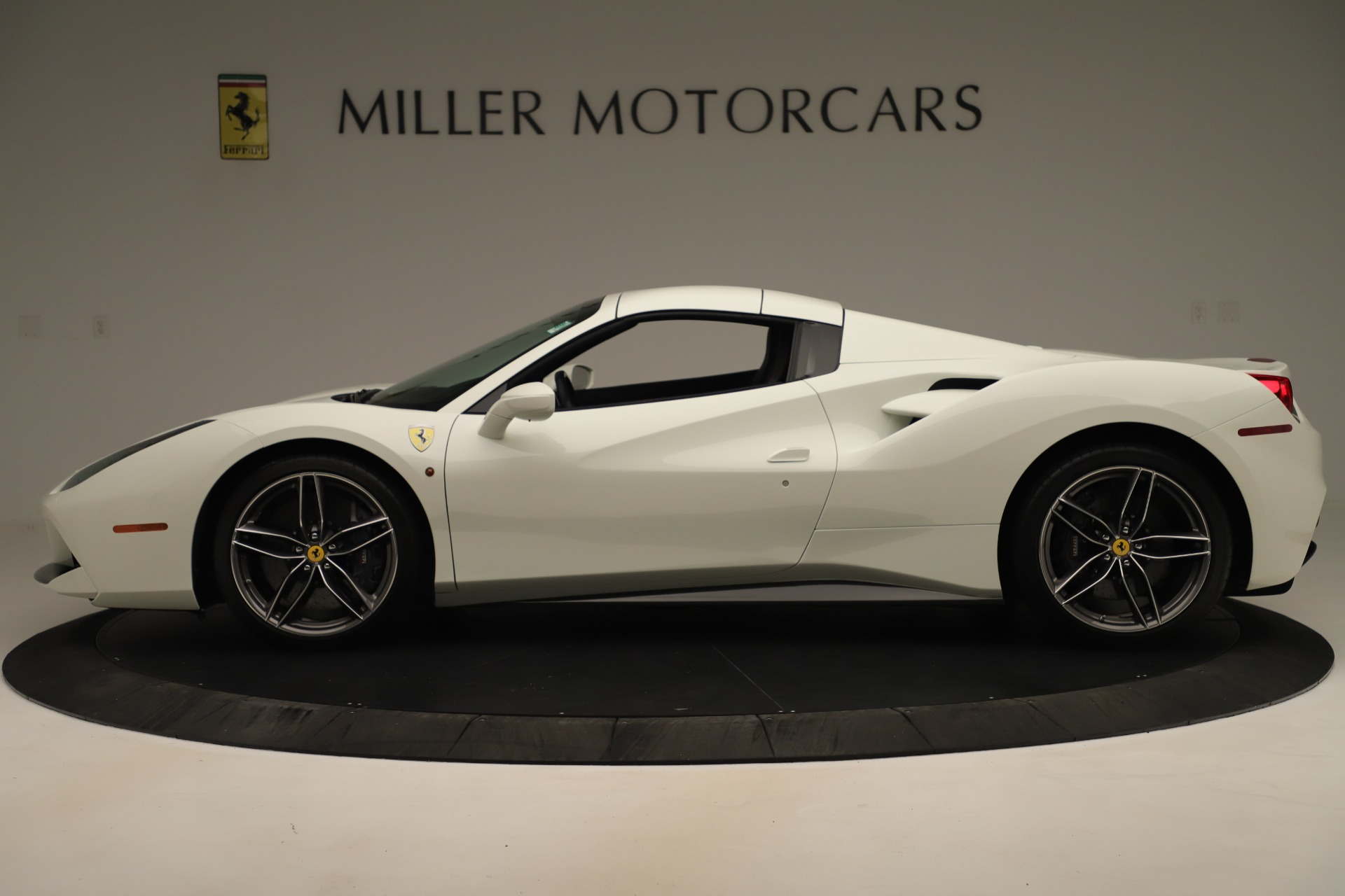 Used 2016 Ferrari 488 Spider  For Sale In Greenwich, CT 3375_p14