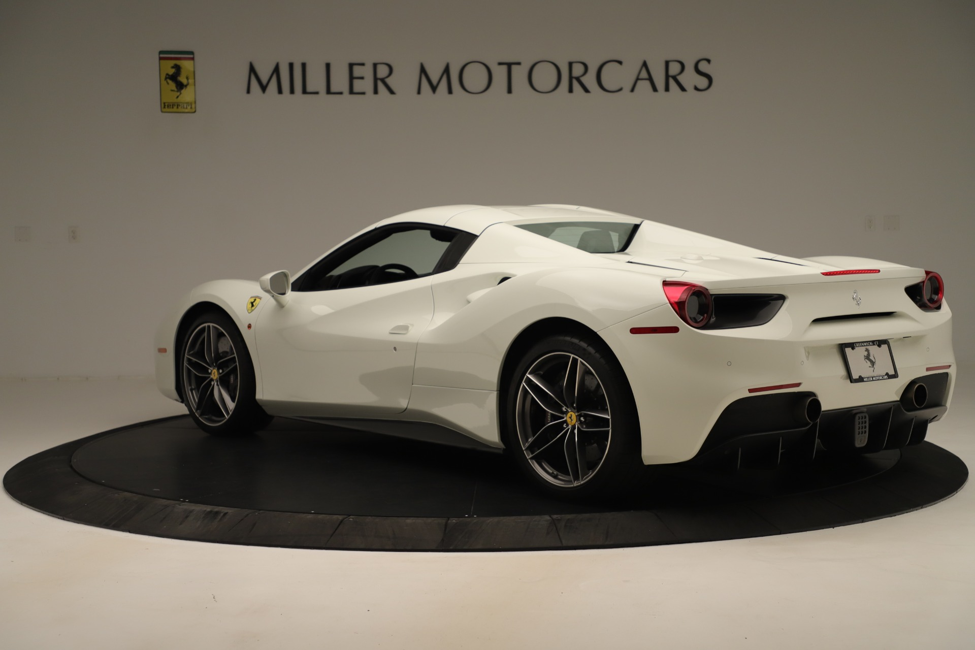 Used 2016 Ferrari 488 Spider  For Sale In Greenwich, CT 3375_p15