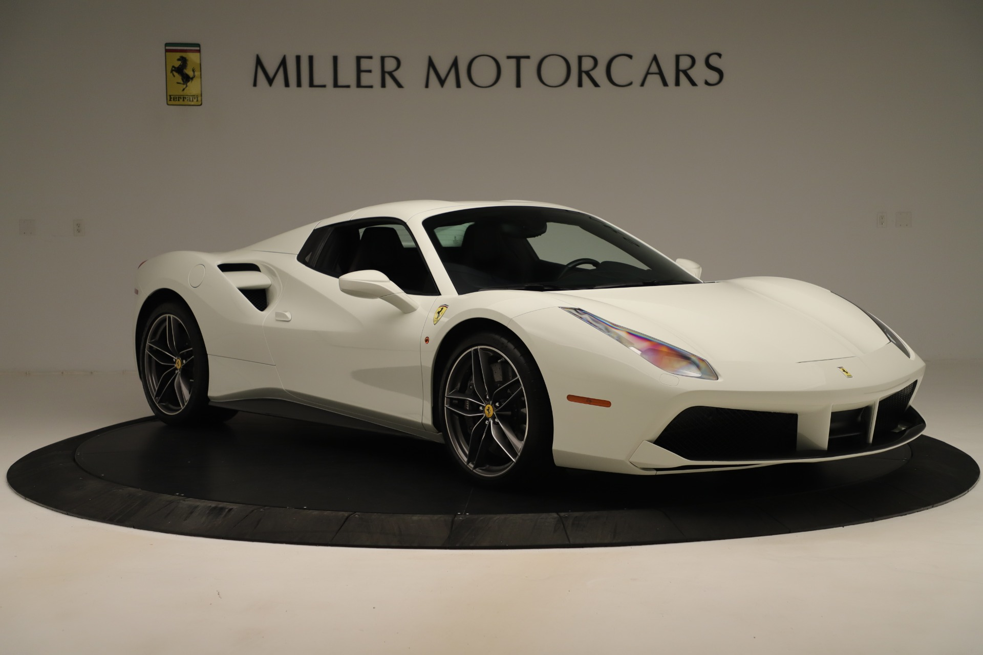 Used 2016 Ferrari 488 Spider  For Sale In Greenwich, CT 3375_p18