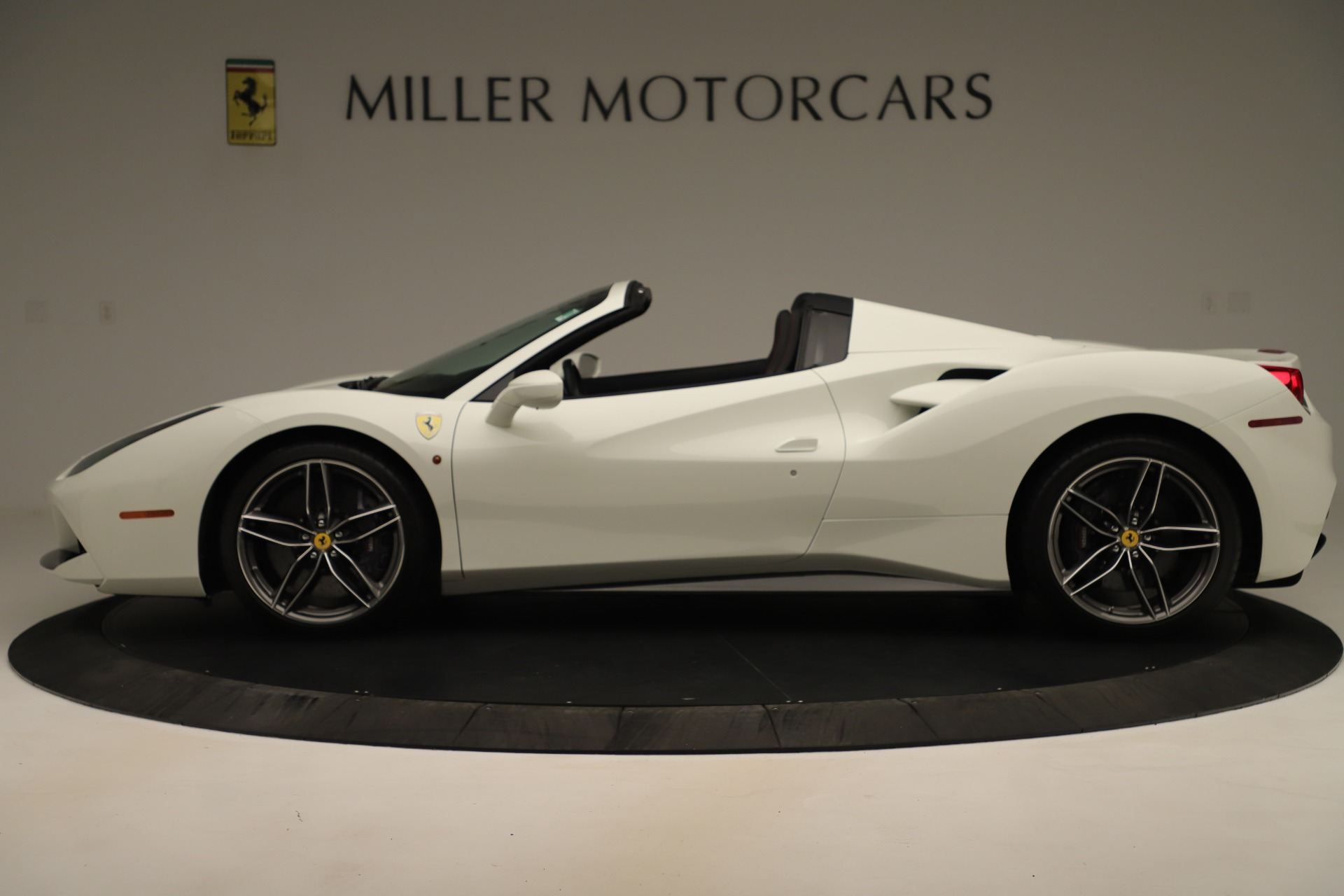 Used 2016 Ferrari 488 Spider  For Sale In Greenwich, CT 3375_p3