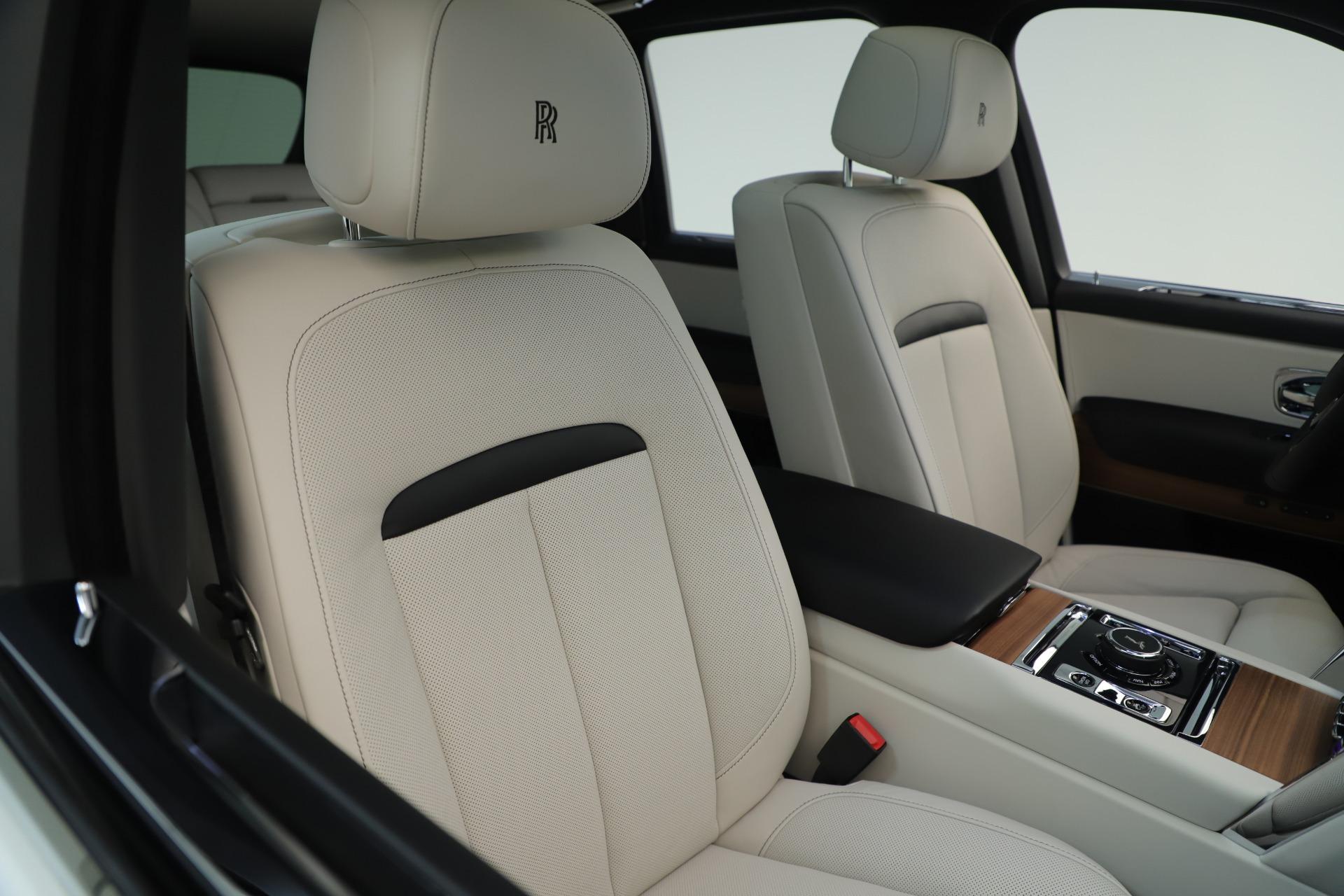 New 2019 Rolls-Royce Cullinan  For Sale In Greenwich, CT 3377_p11