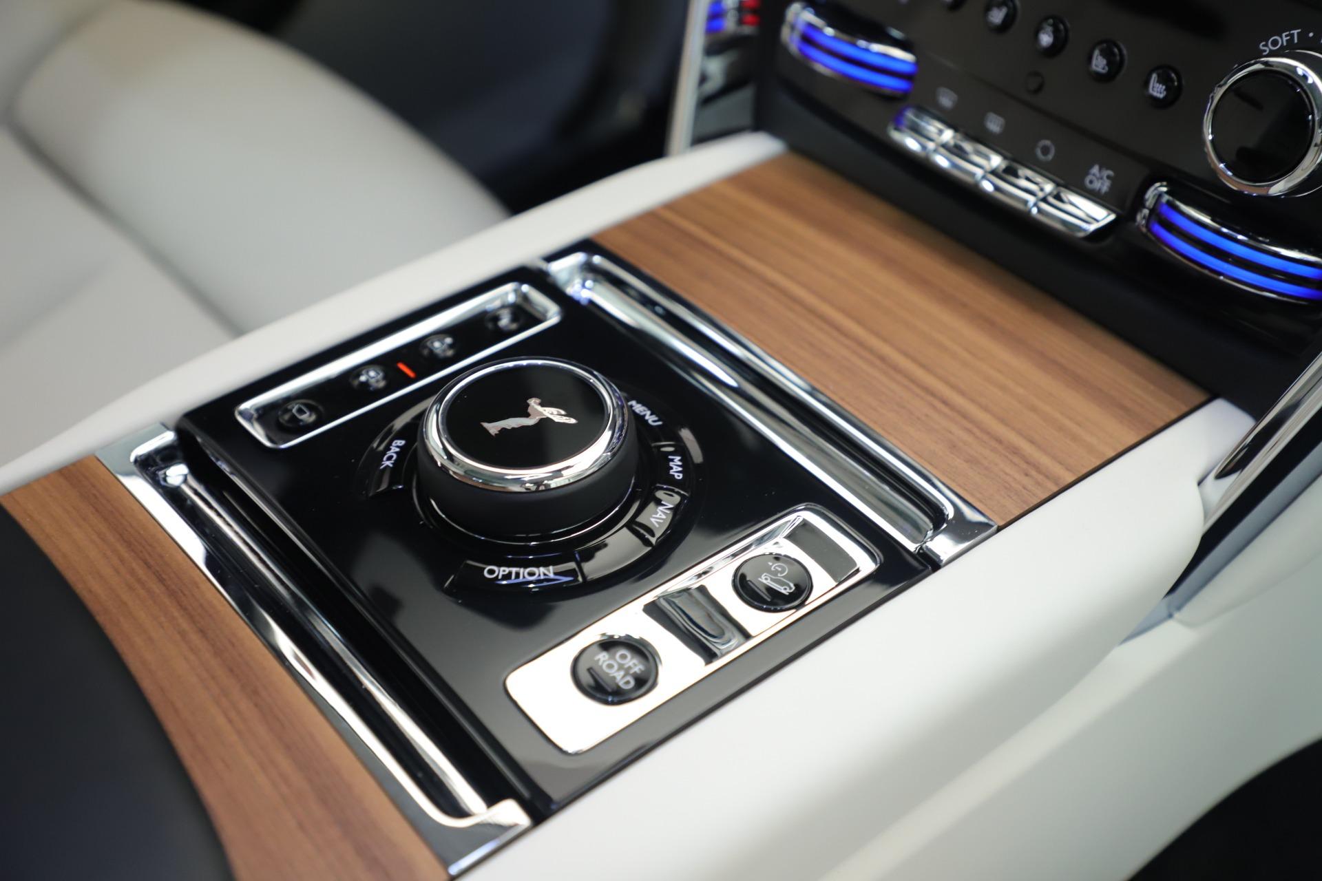 New 2019 Rolls-Royce Cullinan  For Sale In Greenwich, CT 3377_p21