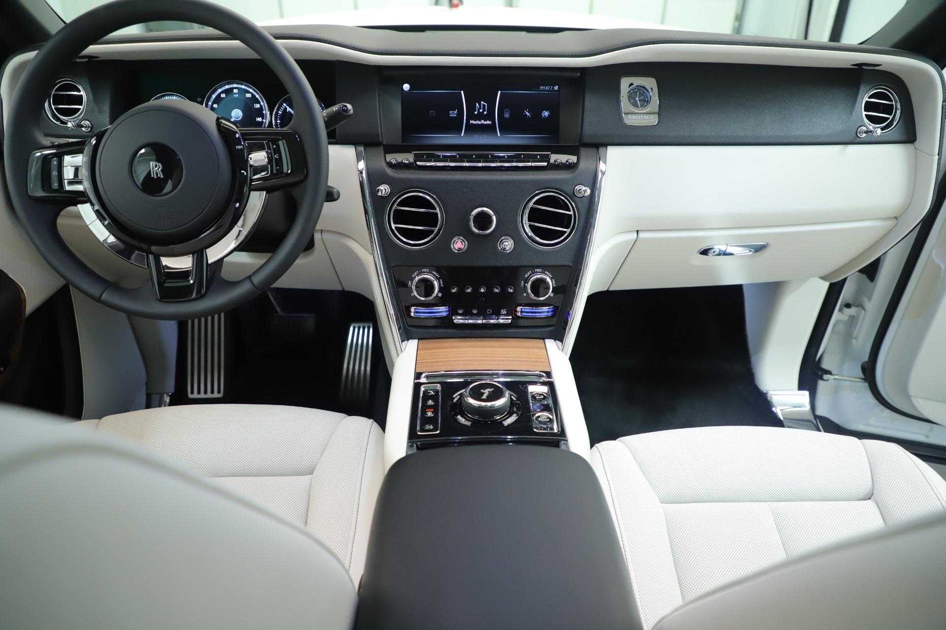 New 2019 Rolls-Royce Cullinan  For Sale In Greenwich, CT 3377_p23