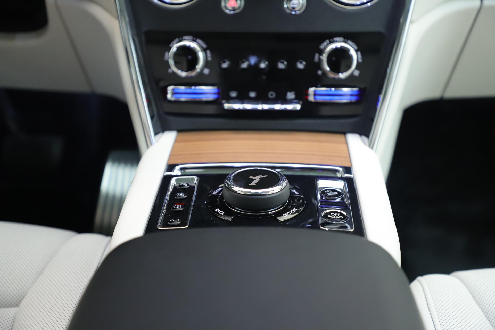 New 2019 Rolls-Royce Cullinan  For Sale In Greenwich, CT 3377_p25