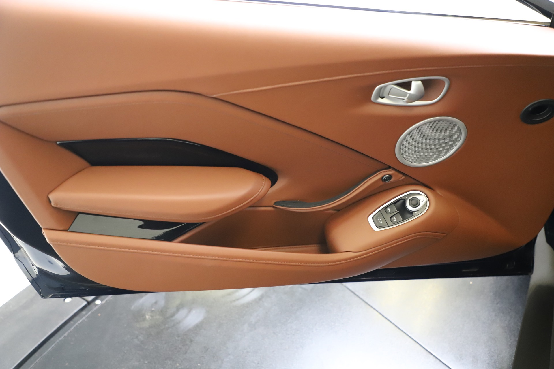 New 2020 Aston Martin Vantage Coupe For Sale In Greenwich, CT 3378_p15