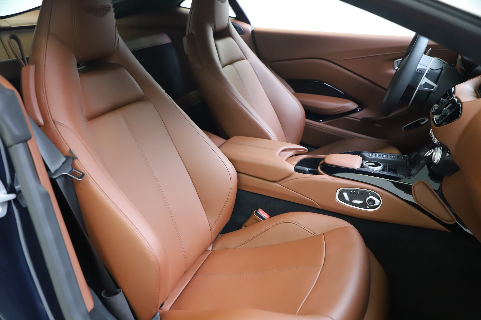 New 2020 Aston Martin Vantage Coupe For Sale In Greenwich, CT 3378_p18