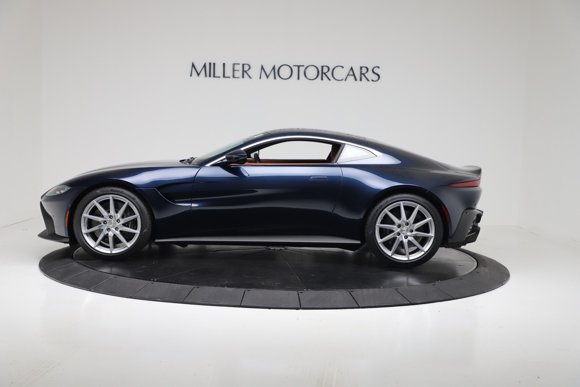 New 2020 Aston Martin Vantage Coupe For Sale In Greenwich, CT 3378_p3