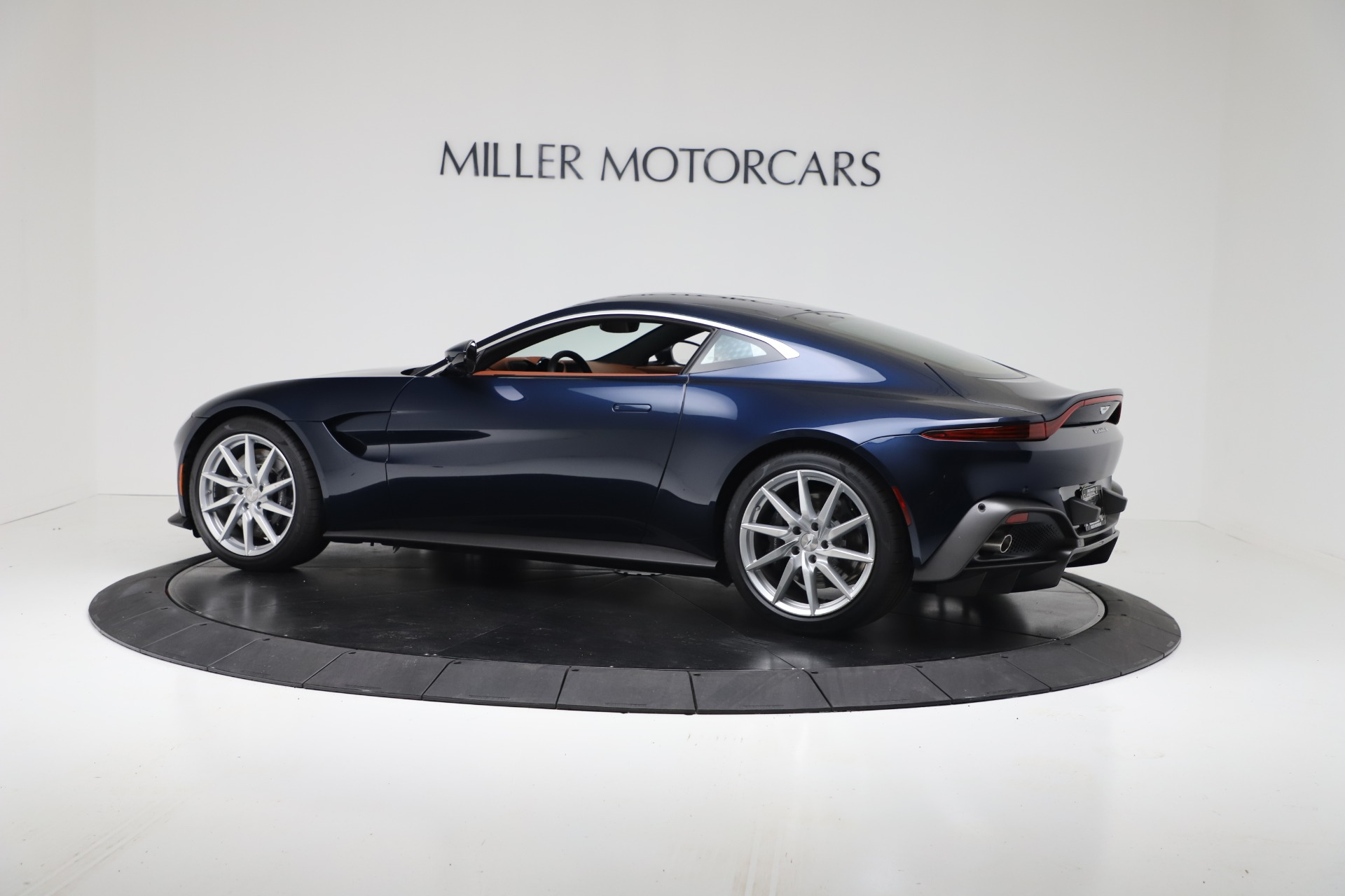 New 2020 Aston Martin Vantage Coupe For Sale In Greenwich, CT 3378_p4