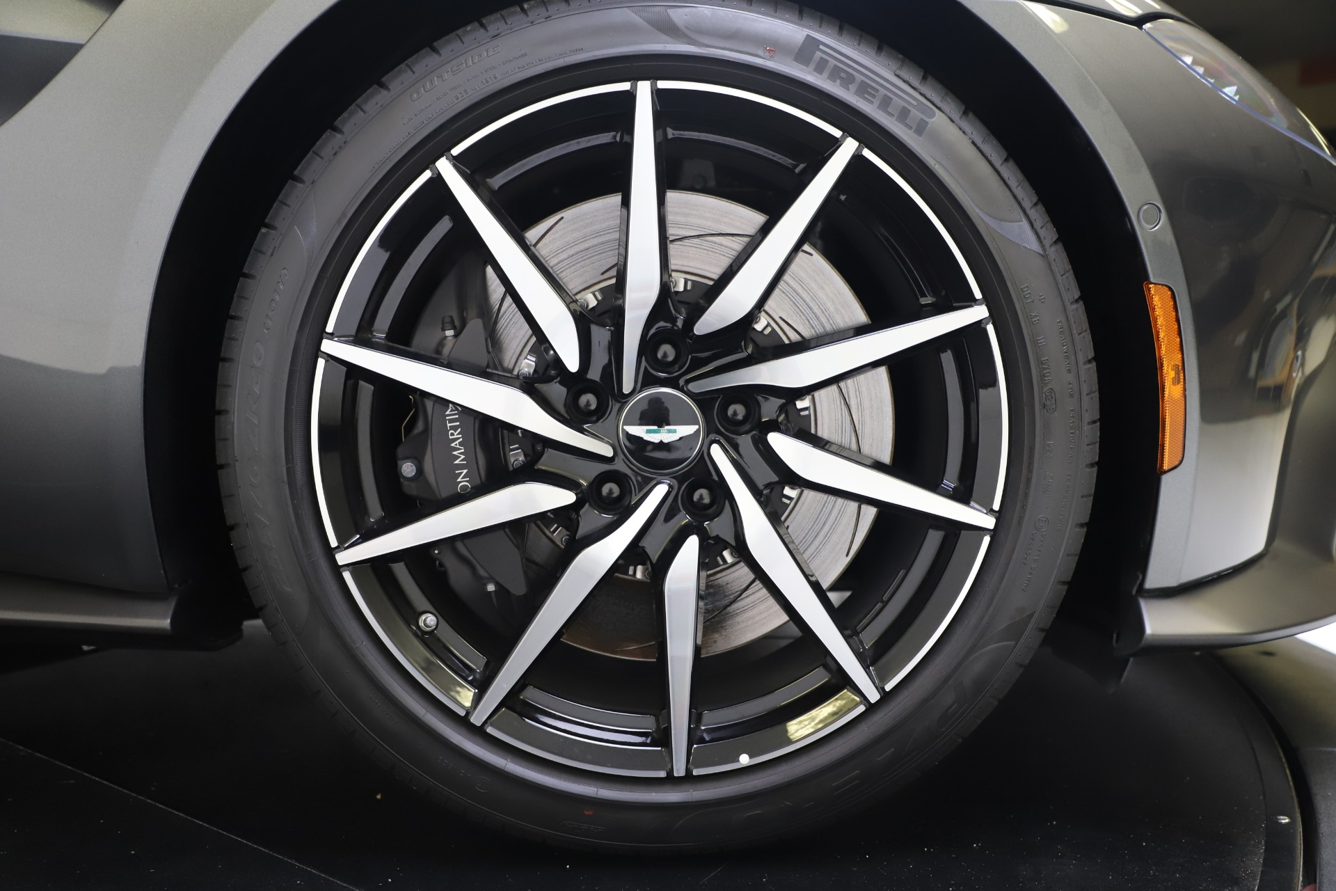 New 2020 Aston Martin Vantage V8 For Sale In Greenwich, CT 3384_p18