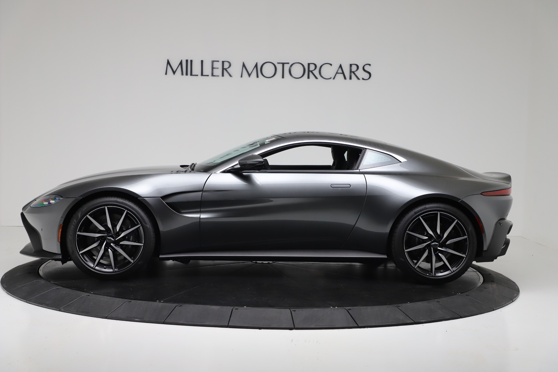 New 2020 Aston Martin Vantage V8 For Sale In Greenwich, CT 3384_p2