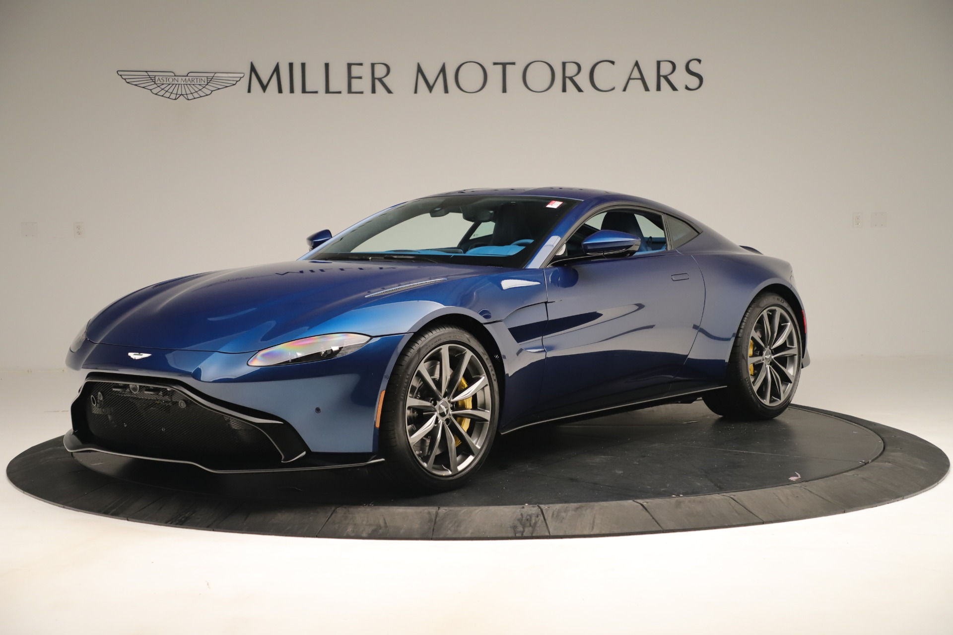 New 2020 Aston Martin Vantage Coupe For Sale In Greenwich, CT 3393_main