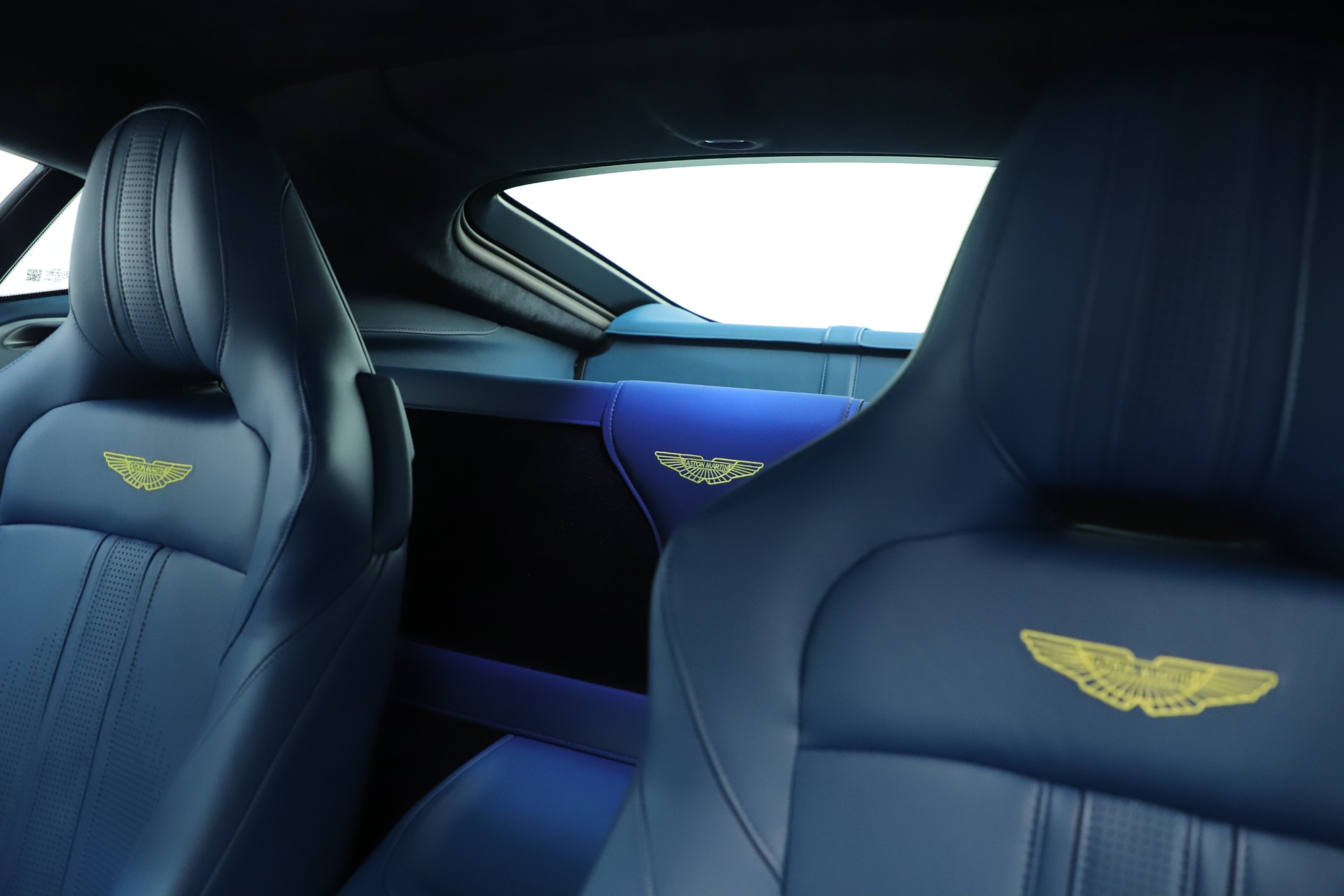 New 2020 Aston Martin Vantage Coupe For Sale In Greenwich, CT 3393_p18