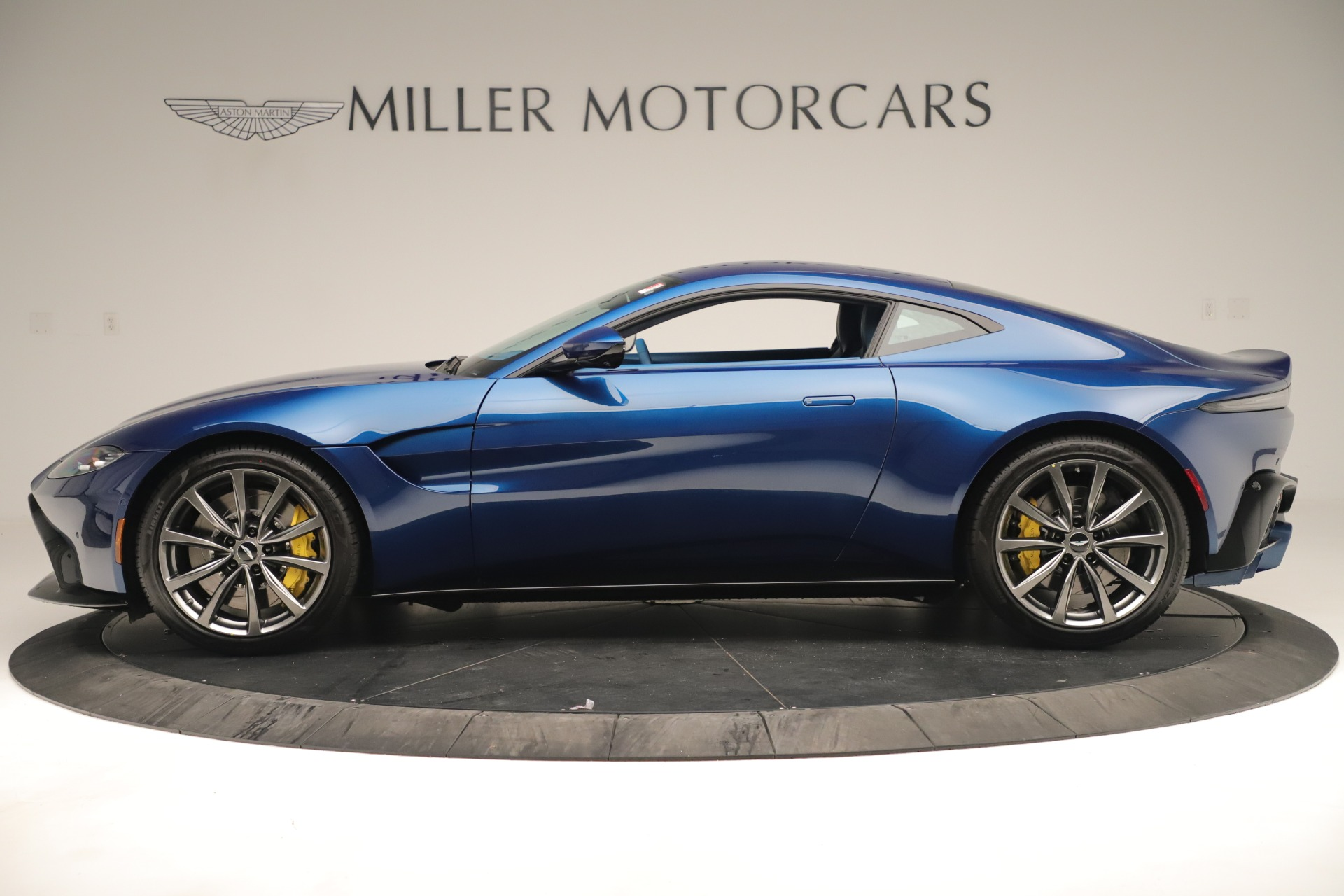 New 2020 Aston Martin Vantage Coupe For Sale In Greenwich, CT 3393_p3