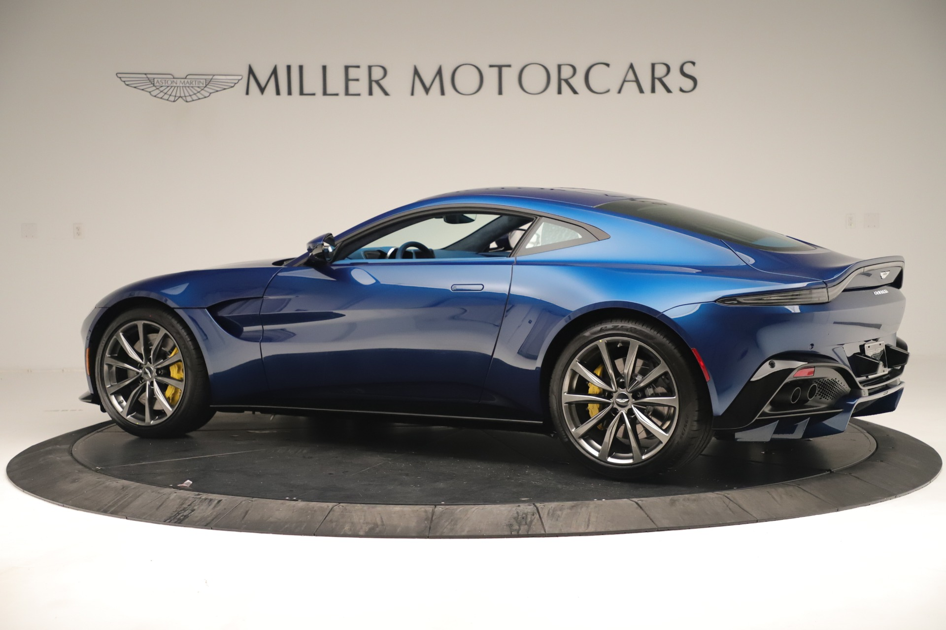 New 2020 Aston Martin Vantage Coupe For Sale In Greenwich, CT 3393_p4