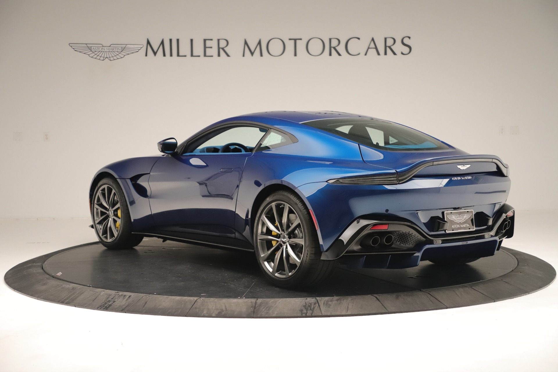 New 2020 Aston Martin Vantage Coupe For Sale In Greenwich, CT 3393_p5