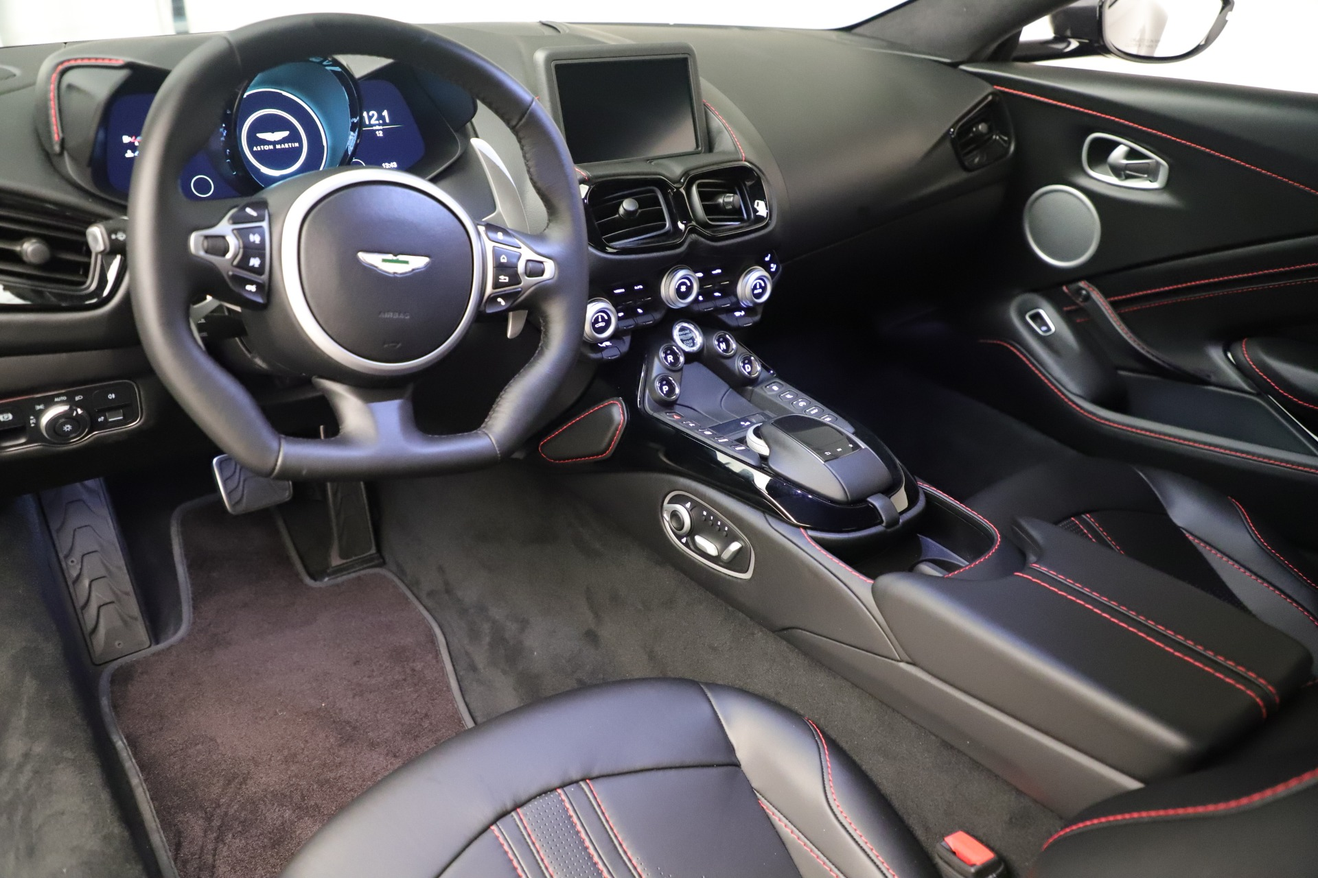 New 2020 Aston Martin Vantage Coupe For Sale In Greenwich, CT 3394_p14