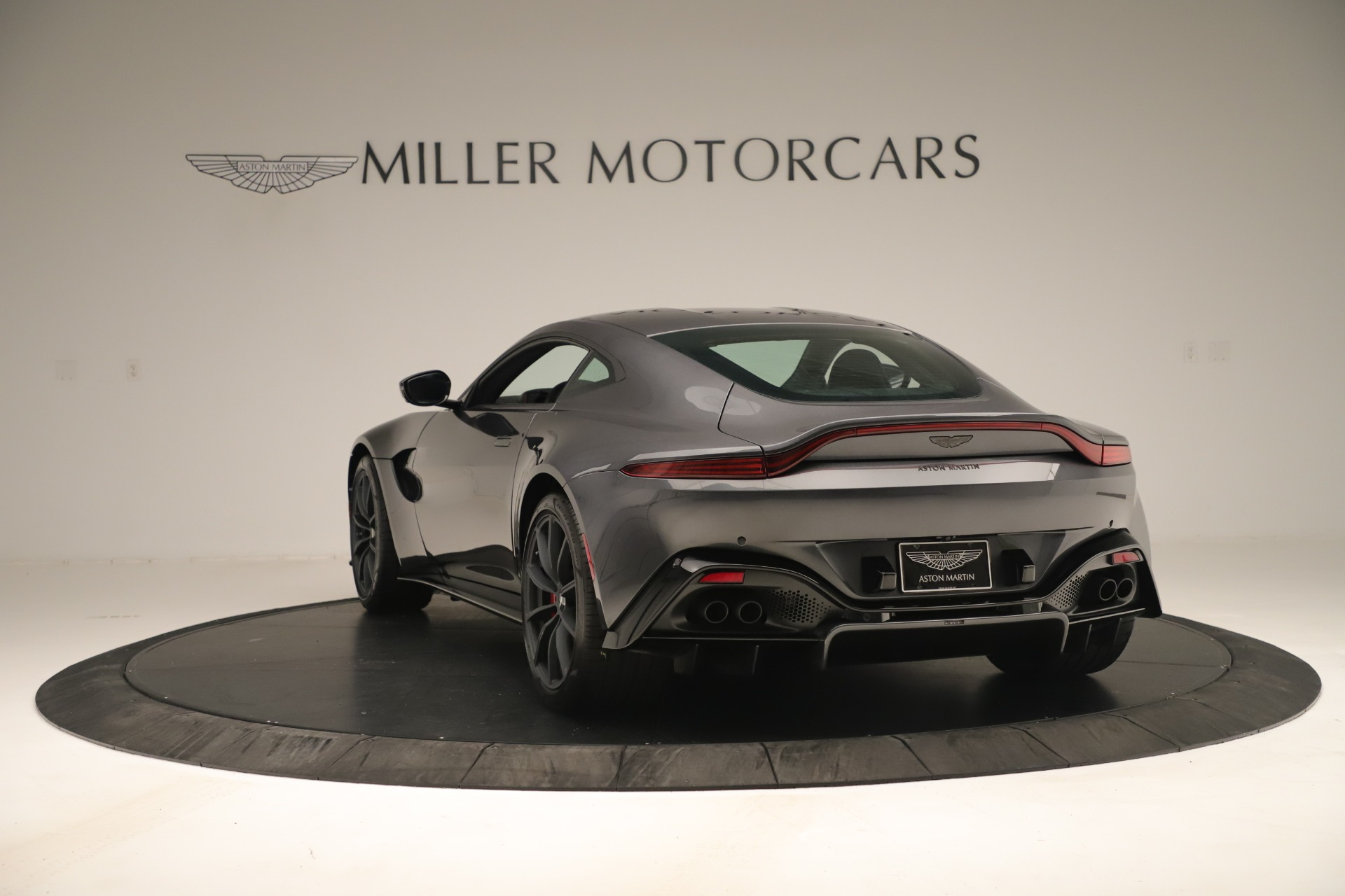 New 2020 Aston Martin Vantage Coupe For Sale In Greenwich, CT 3394_p4