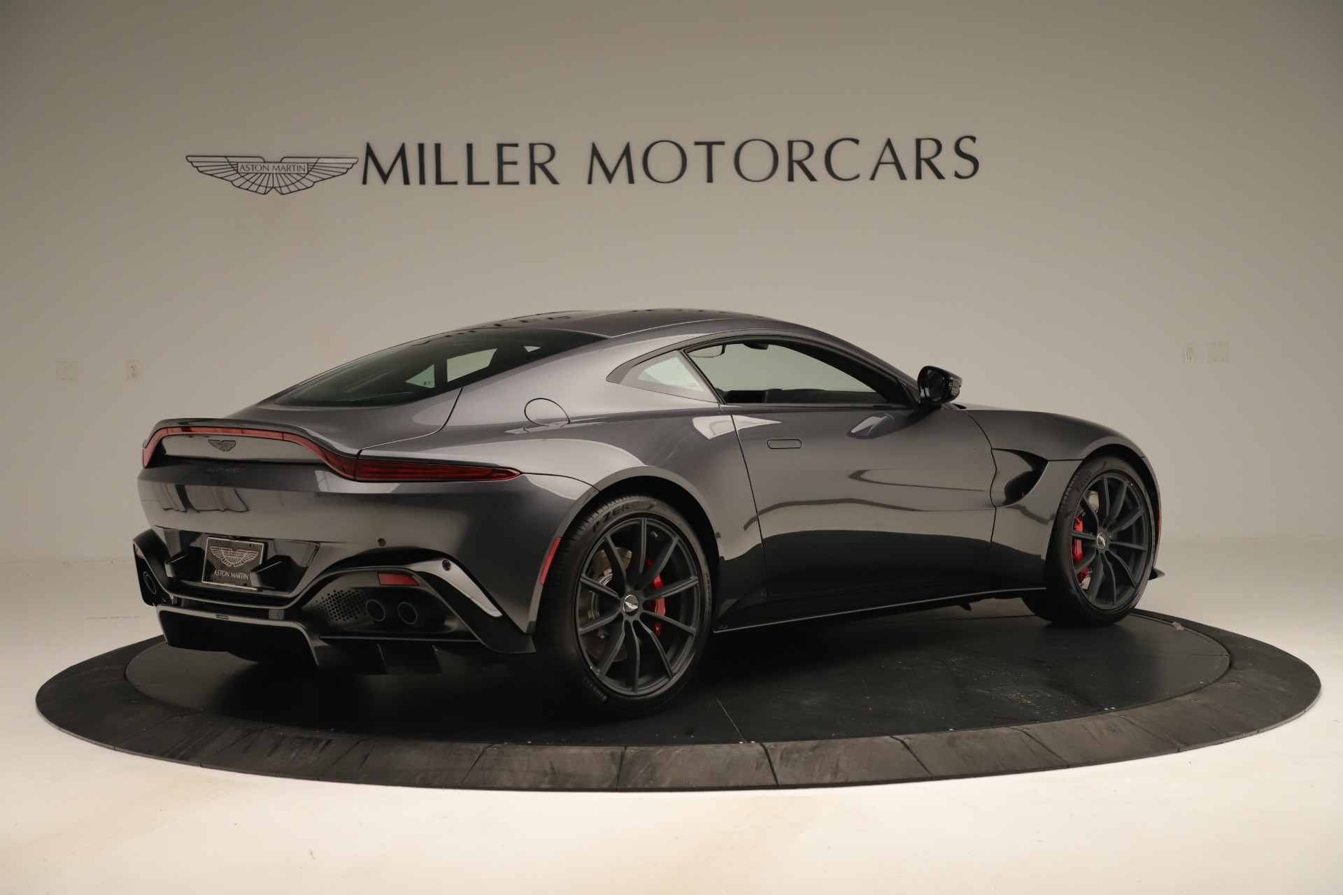 New 2020 Aston Martin Vantage Coupe For Sale In Greenwich, CT 3394_p7