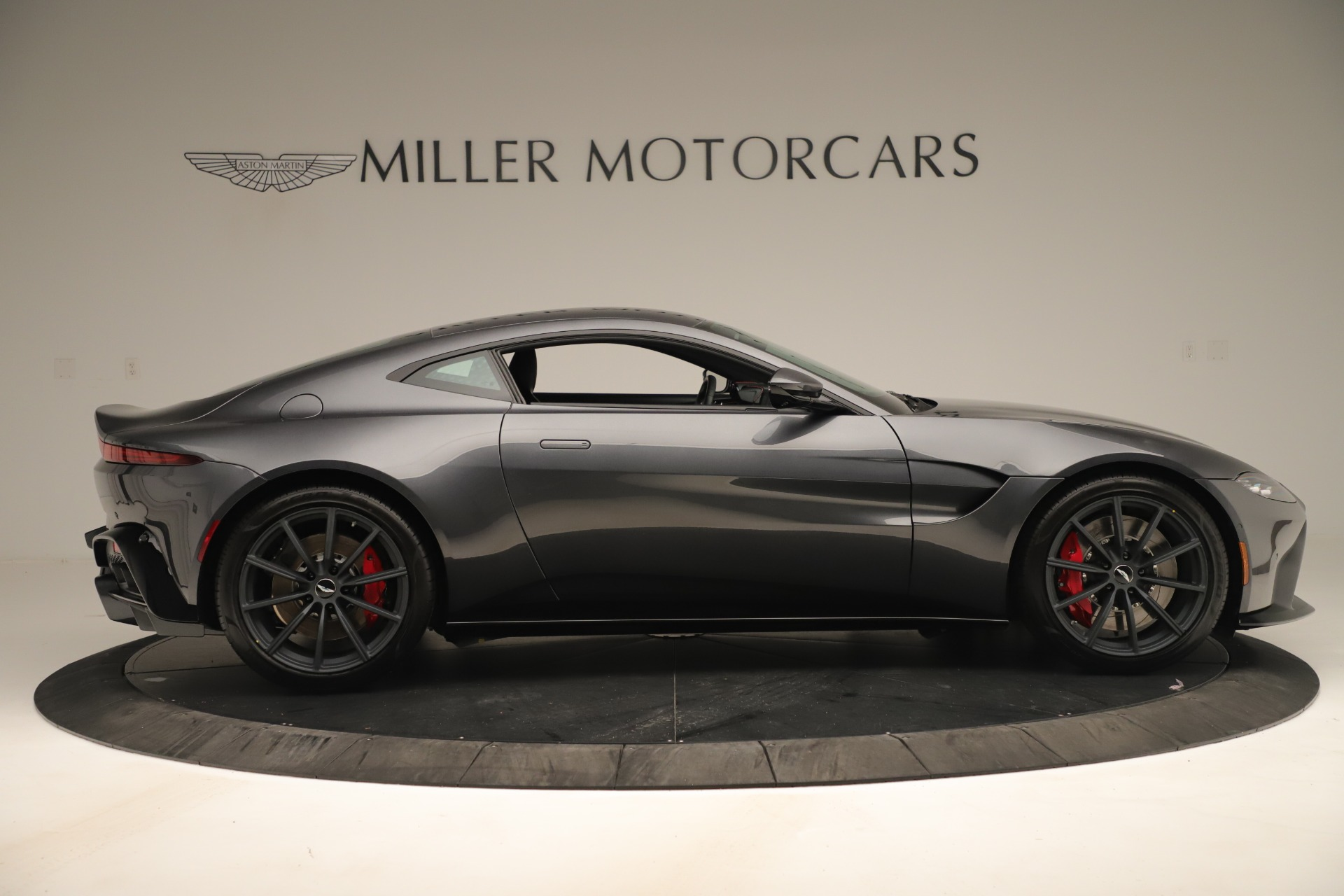 New 2020 Aston Martin Vantage Coupe For Sale In Greenwich, CT 3394_p8