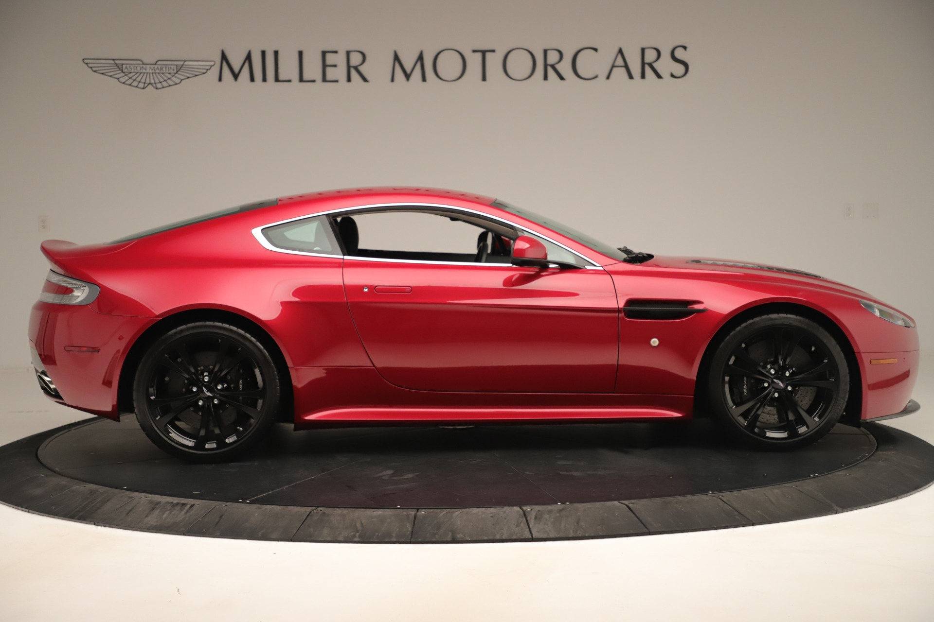Used 2011 Aston Martin V12 Vantage Coupe For Sale In Greenwich, CT 3395_p11