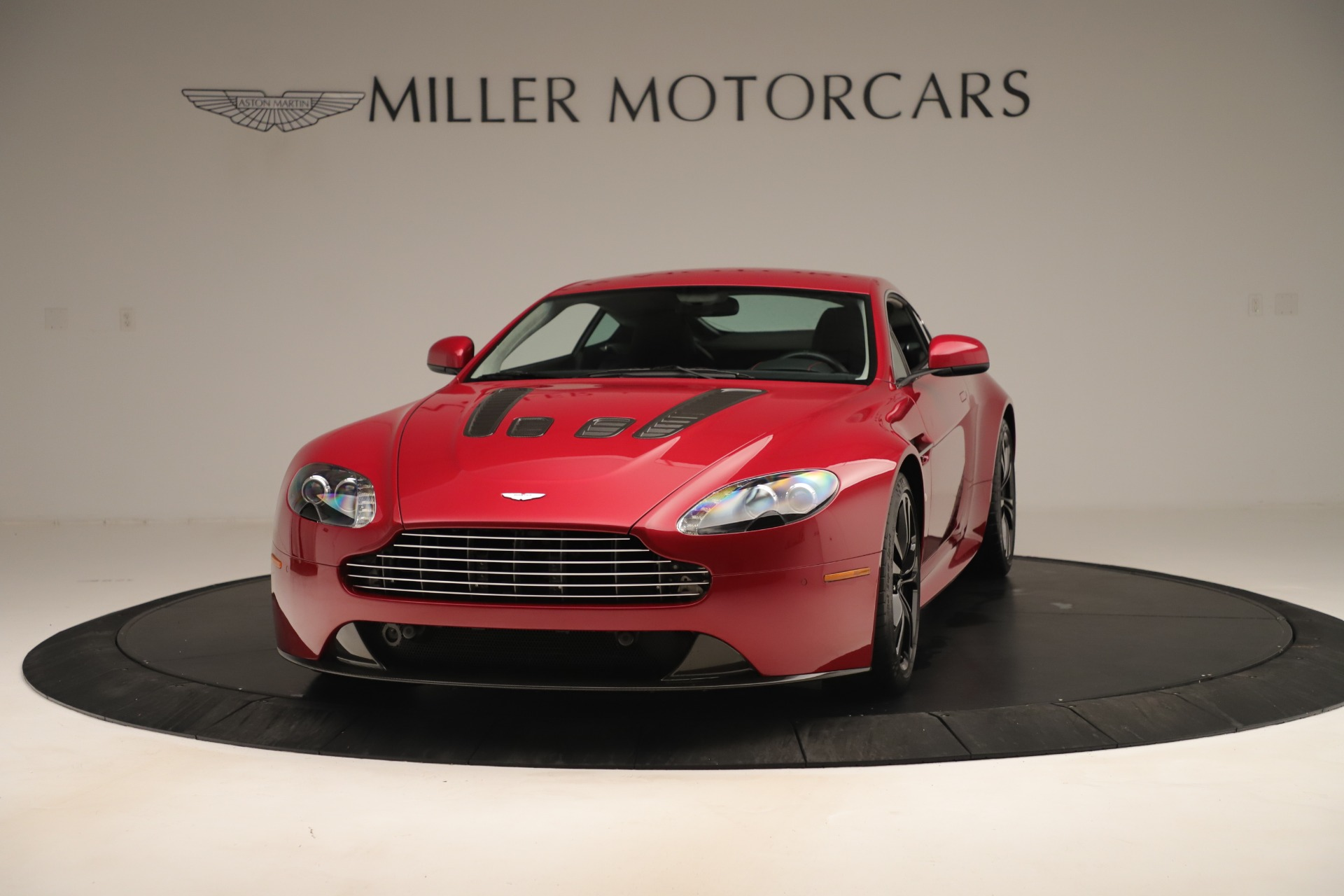 Used 2011 Aston Martin V12 Vantage Coupe For Sale In Greenwich, CT 3395_p2